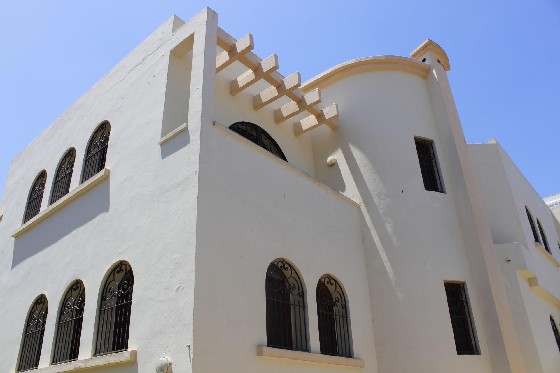 A louer villa Sidi Maarouf emplacement exceptionnel (au pied du tram.)