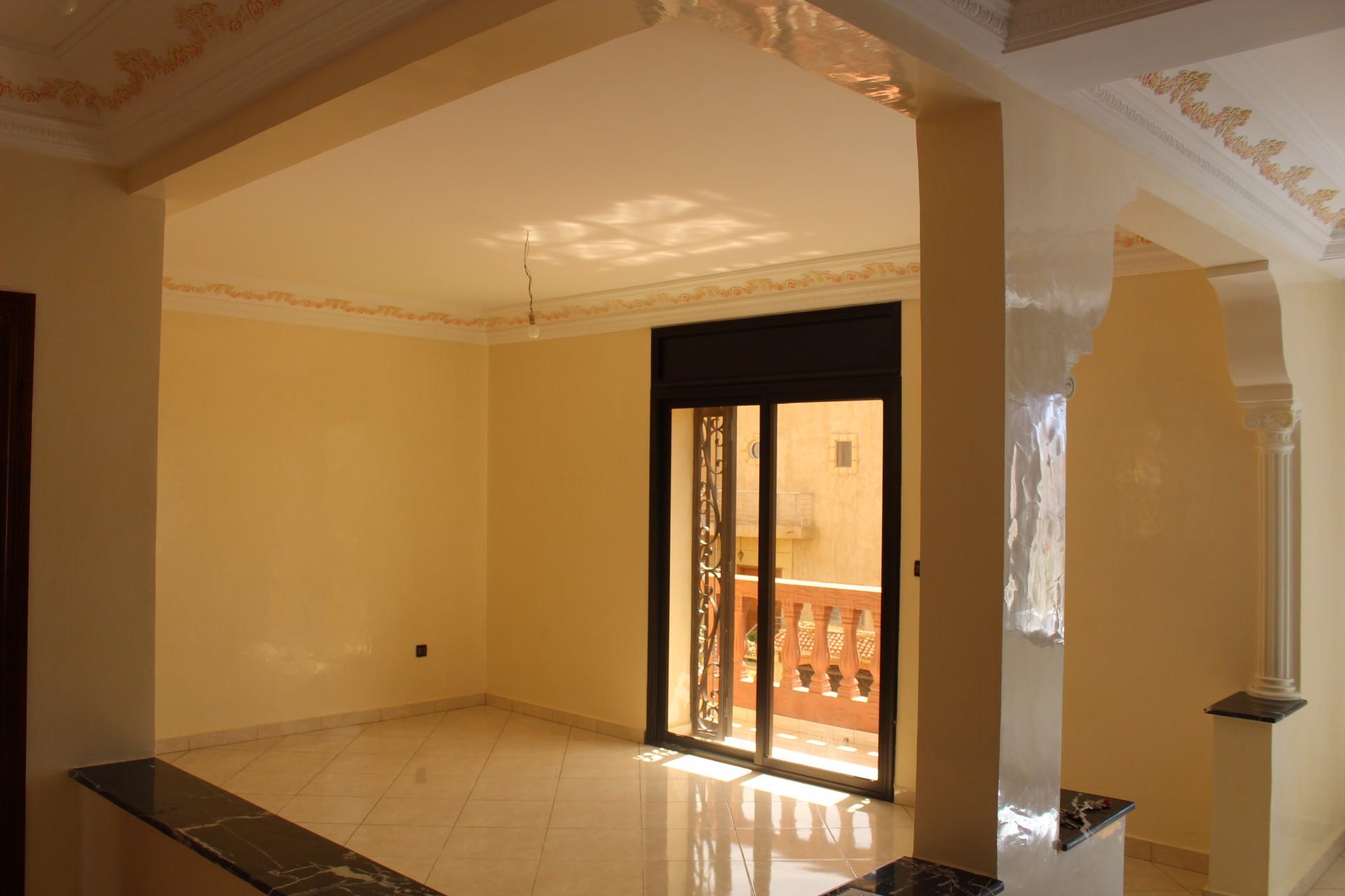 A louer petit prix, Dar Bouazza dans le village, etage de villa neuf
