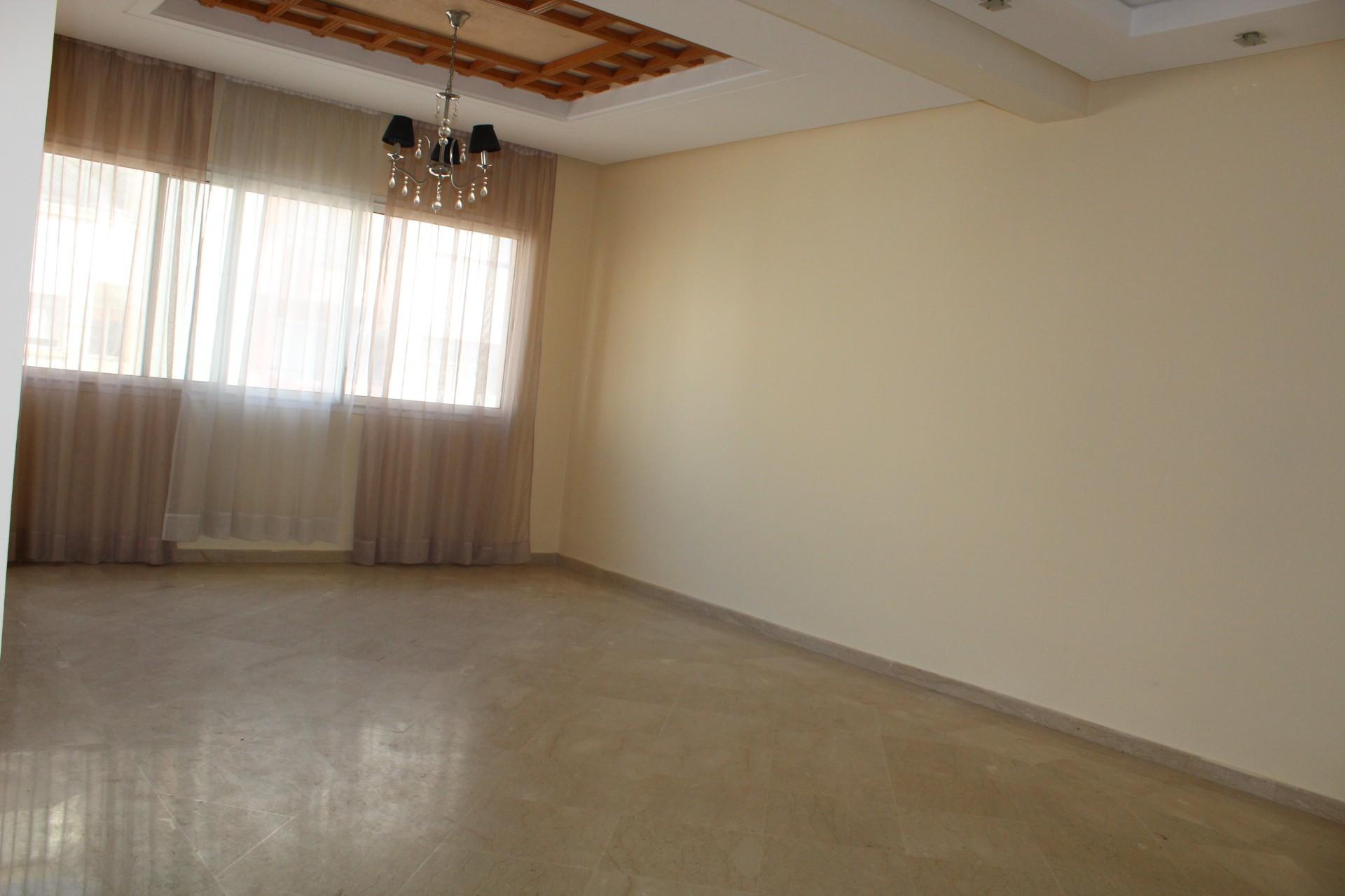 Casablanca, location sur palmier, confortable et lumineux appartement