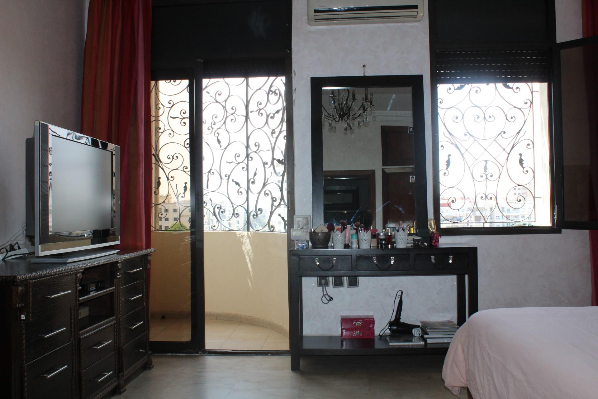Casablanca à louer villa très aérée avec de beau volume