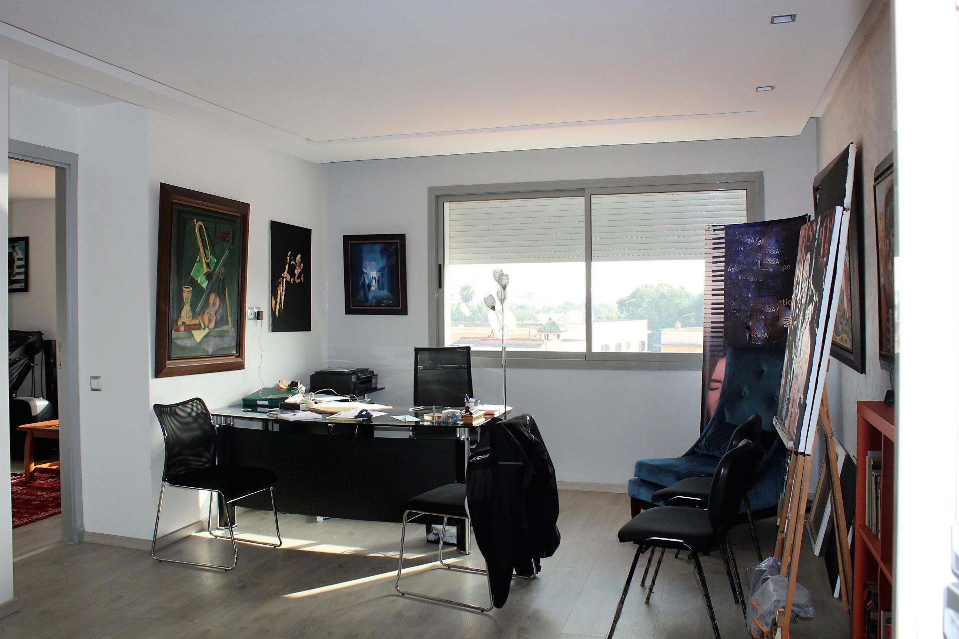 tres beau studio a vendre quartier chic et residentiel