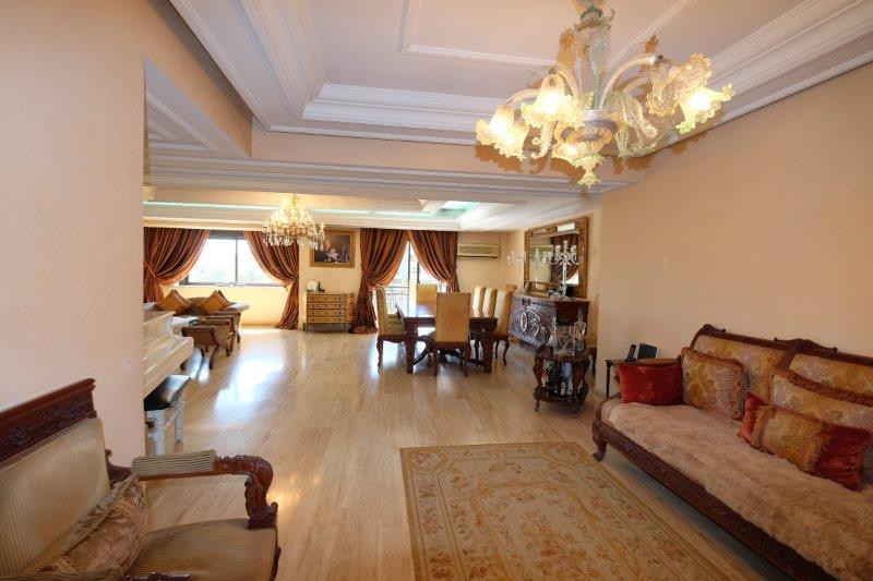 Casablanca, quartier bourgeois unique et rare (secteur Moulay Youssef) logement à vendre dans un immeuble très résidentiel.
