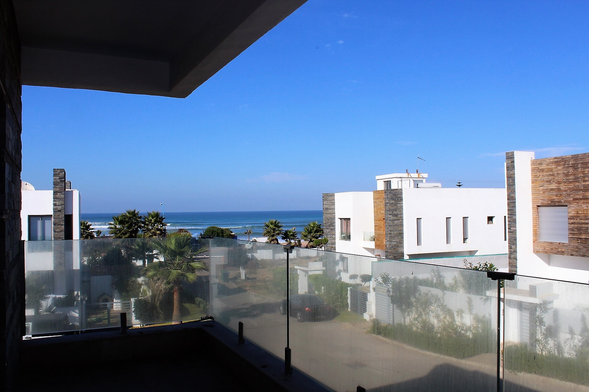 Dar bouazza, très belle villa moderne meublée à louer vue sur mer.