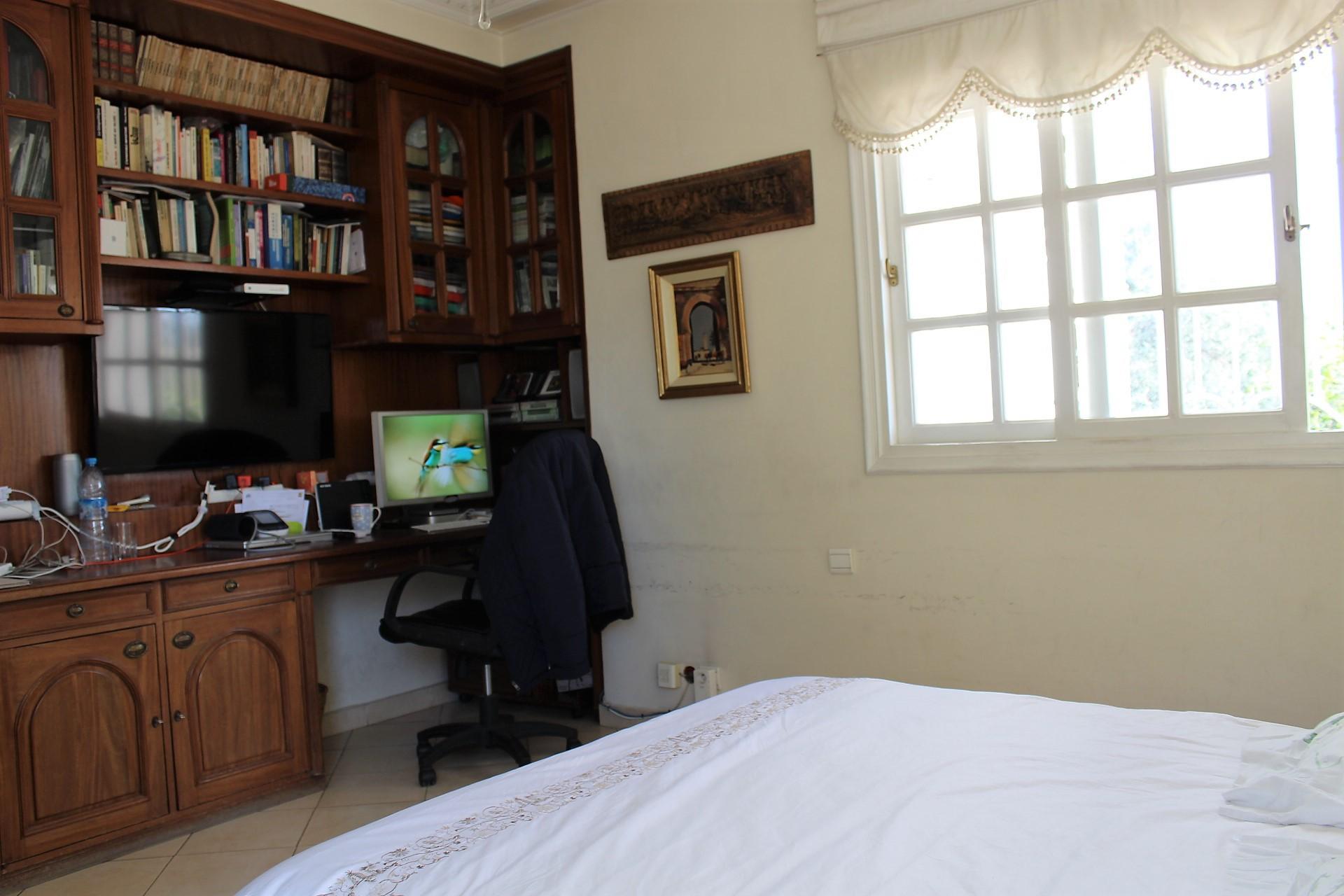Centre-Ville – mers sultan – à vendre appartement de caractère entierement rénové 120 m²