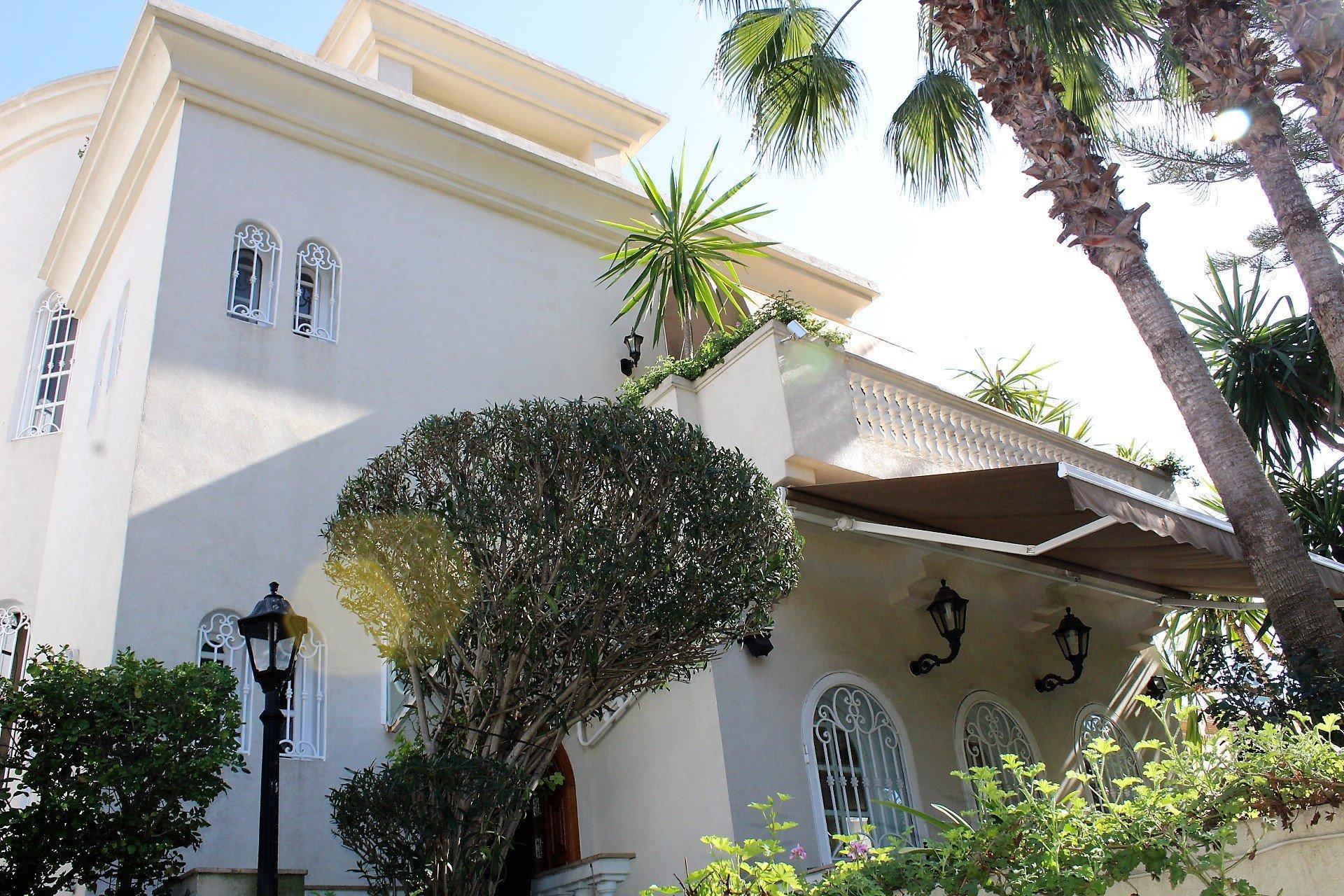 Maroc ,Casablanca sur Oasis, à vendre villa exceptionnelle