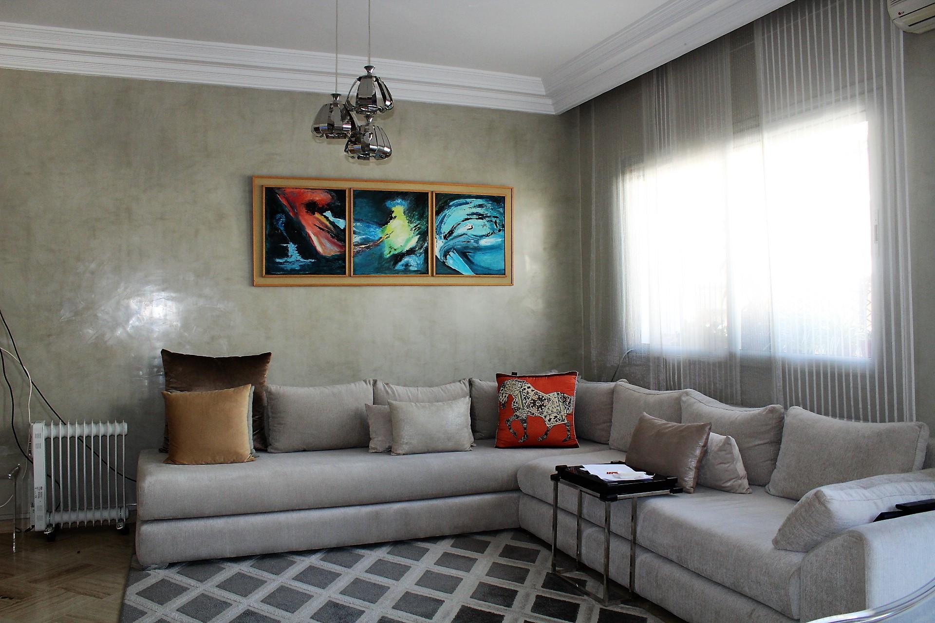 Casablanca, sur Bld Ghandi, à louer parfait appartement moderne de 100 M2