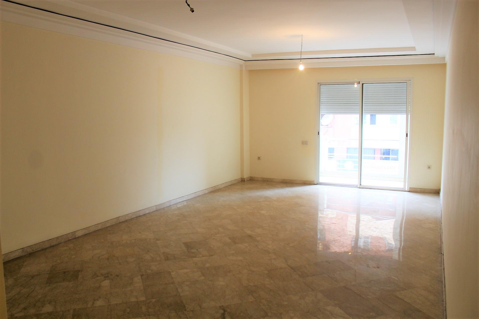 a louer casablanca vaste appartement sans vis a vis 3 chambres  proche autoroute