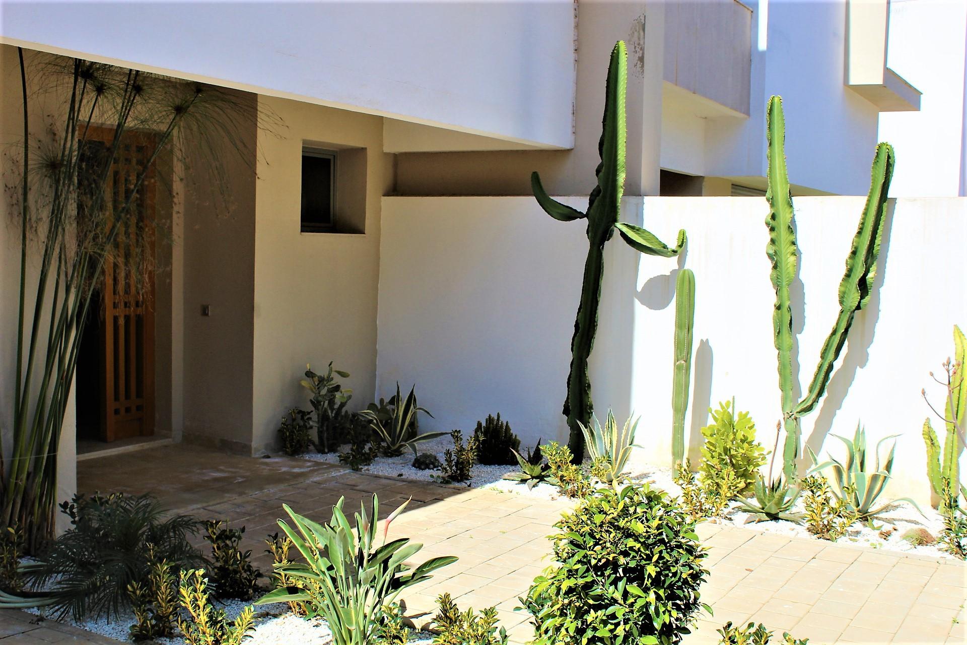 Dar Bouazza, villa luxueuse neuve à louer de 5 chambres