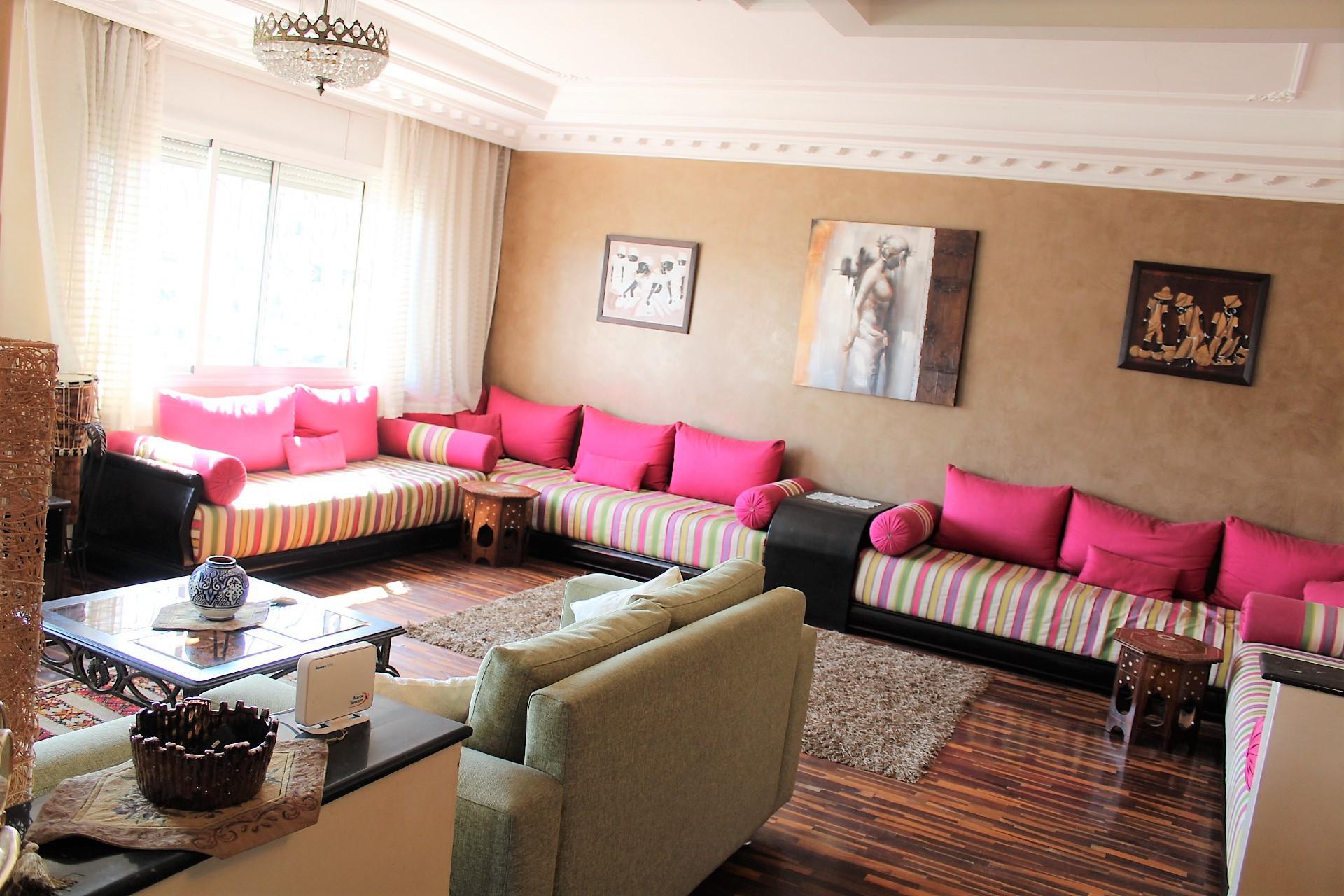 Maroc, Casablanca à louer parfait vaste appartement meublé de 148 M2