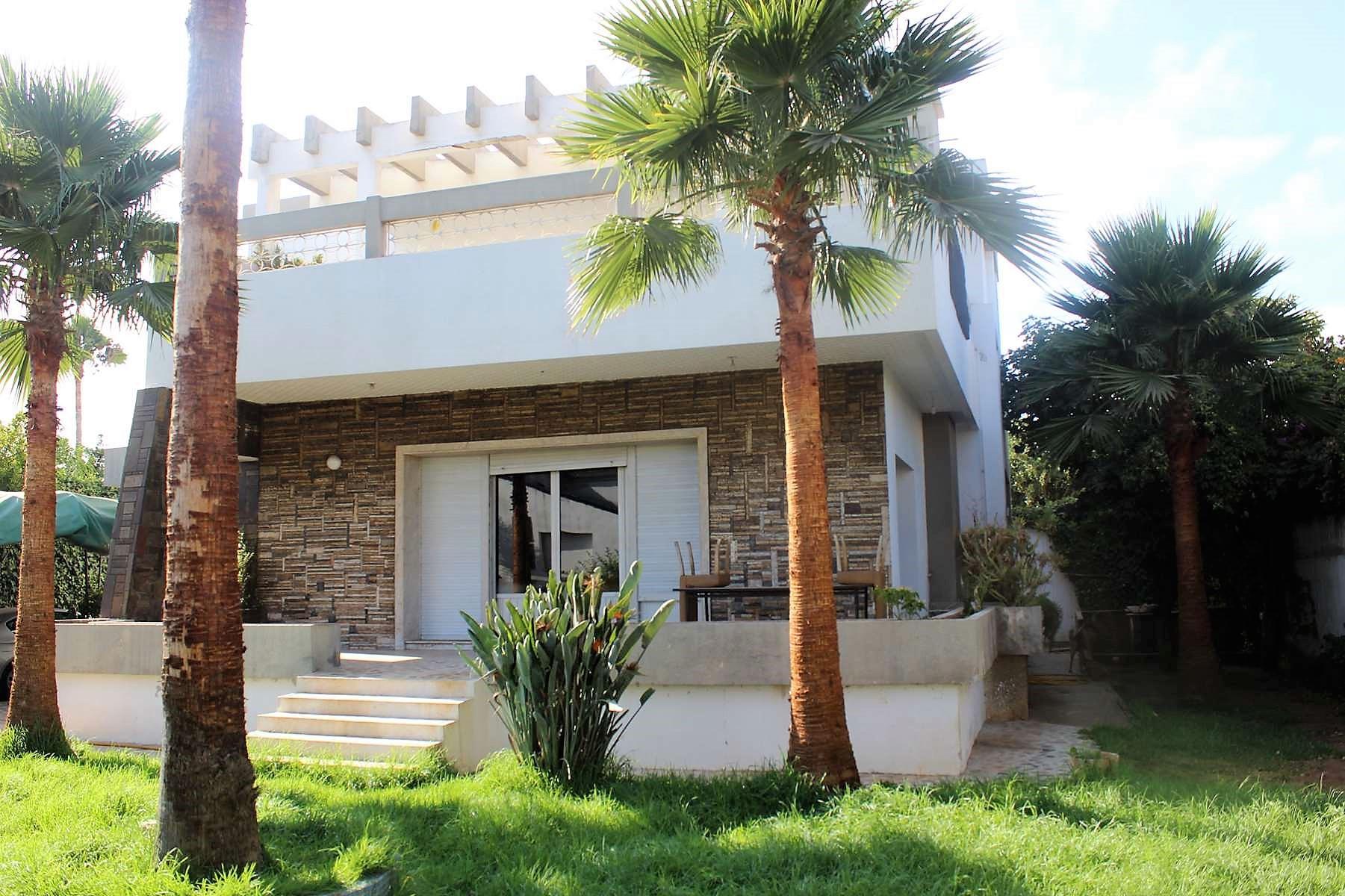 Maroc Casablanca a acheter belle villa au prix du terrain nu