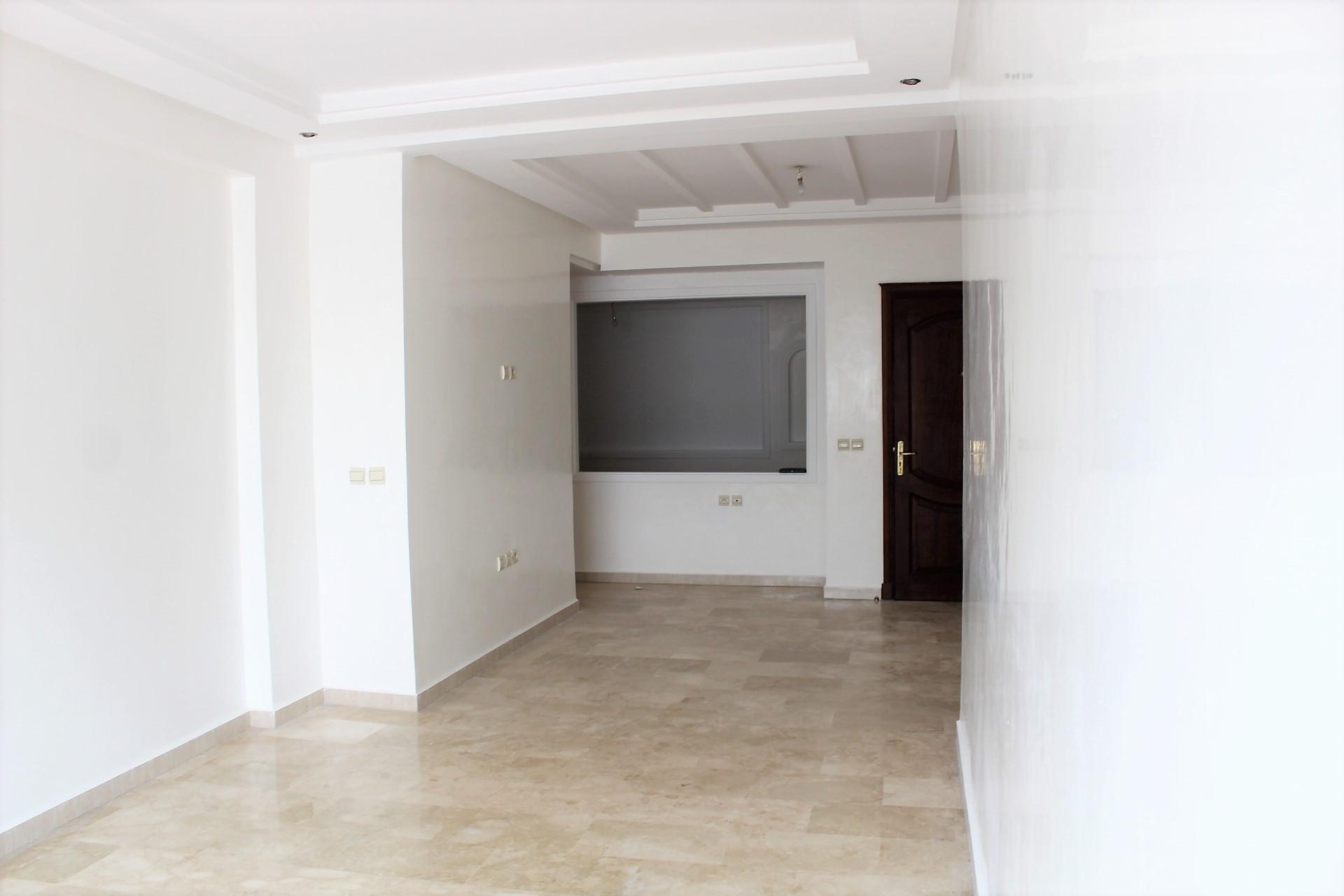 Maroc, Casablanca Sud, Jnane Californie à louer appartement type F3 meublé en étage élevé de 100 m²
