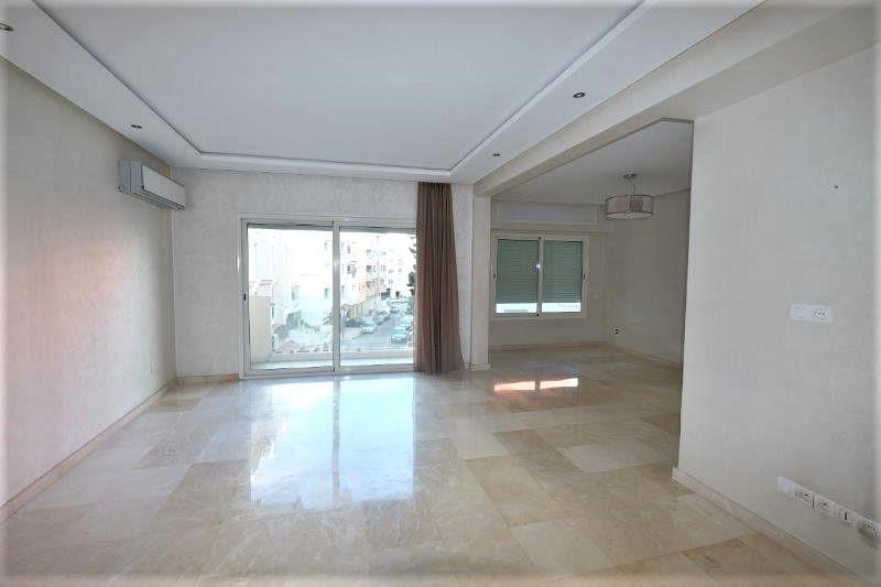 Maroc, Casablanca, Racine, très agréable appartement moderne à louer au calme