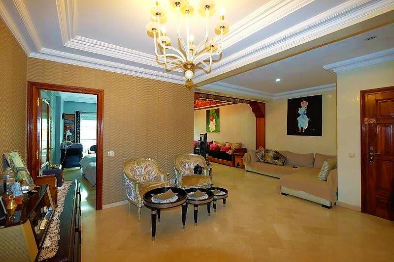 Maroc Casablanca, VAL FLEURI, vend Appartement de 191 m² de 3/4 chambres en parfait état