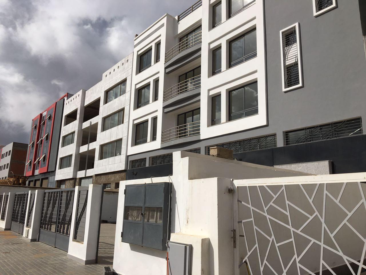 Maroc, Sapino secteur  aéroportuaire de Nouaceur, ensemble professionnel et industriel de 2734 m² à acheter