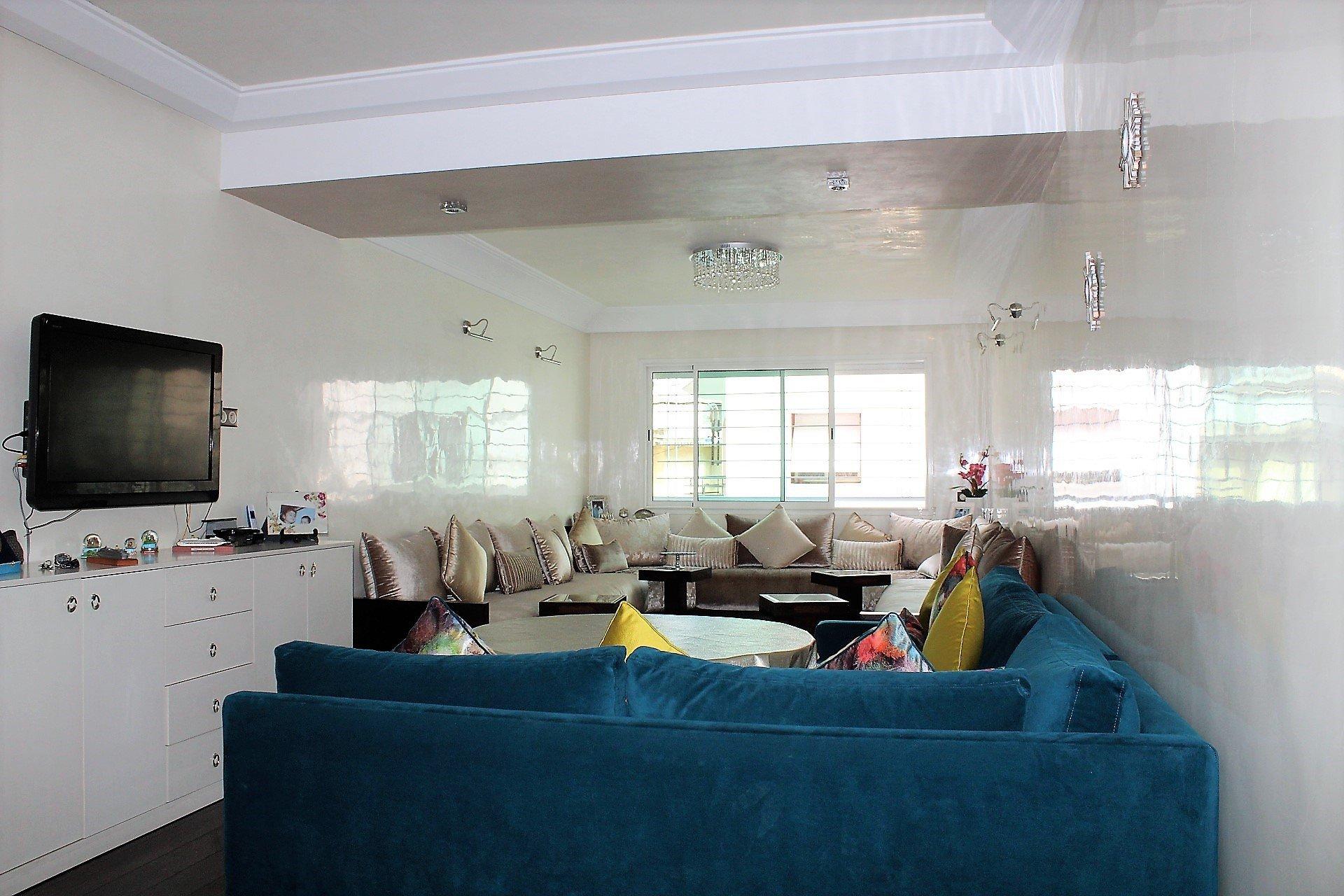 Casablanca, Belvédère, splendide logement moderne à louer de 3 chambres (125 m2) avec terrasse.