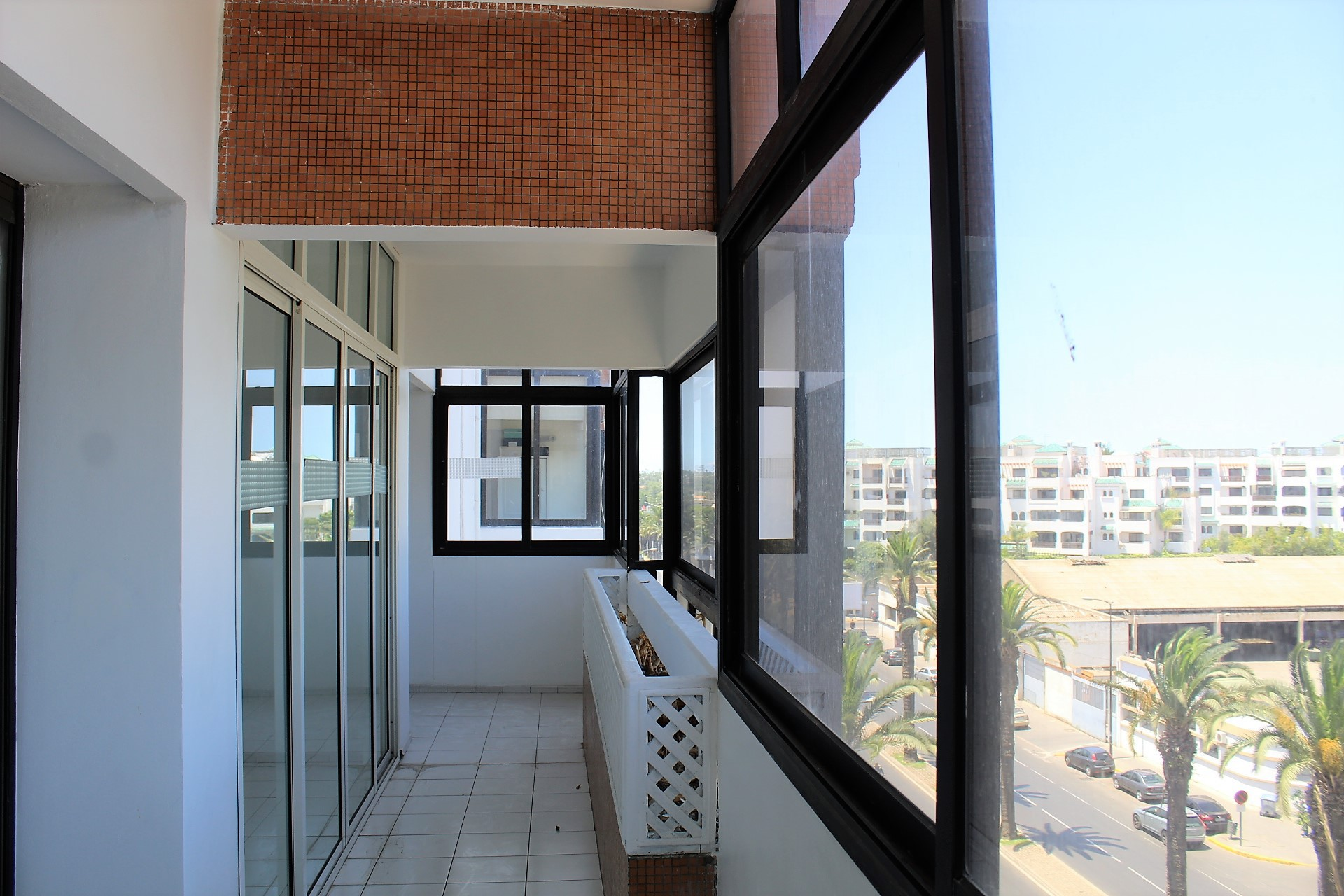 Maroc, Casablanca, Gauthier, à louer parfait et vaste meublé moderne avec grande terrasse sans aucun vis-à-vis