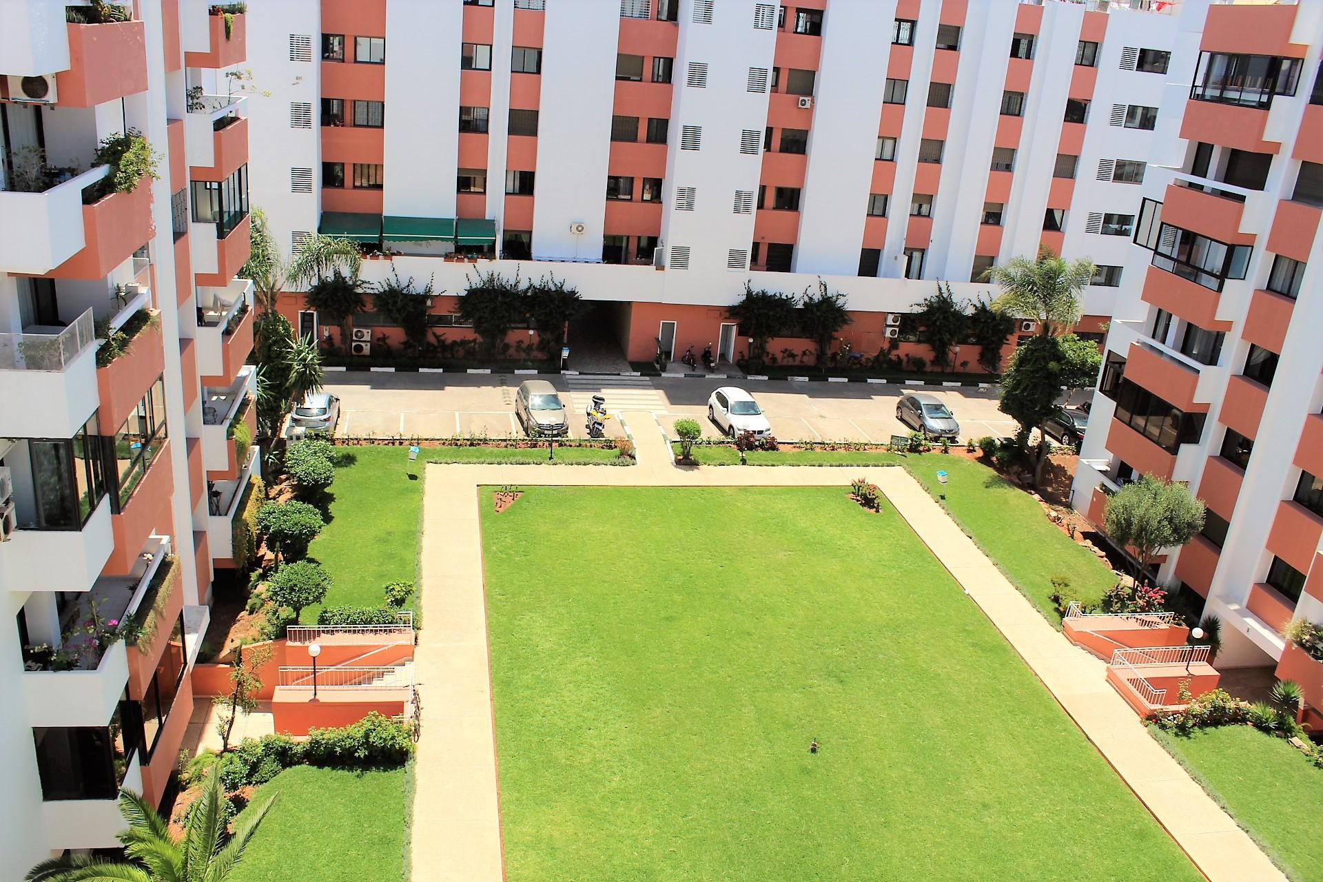 Maroc, Casablanca, à louer vaste appartement familial de 232 M2 sur le Bld Ghandi.