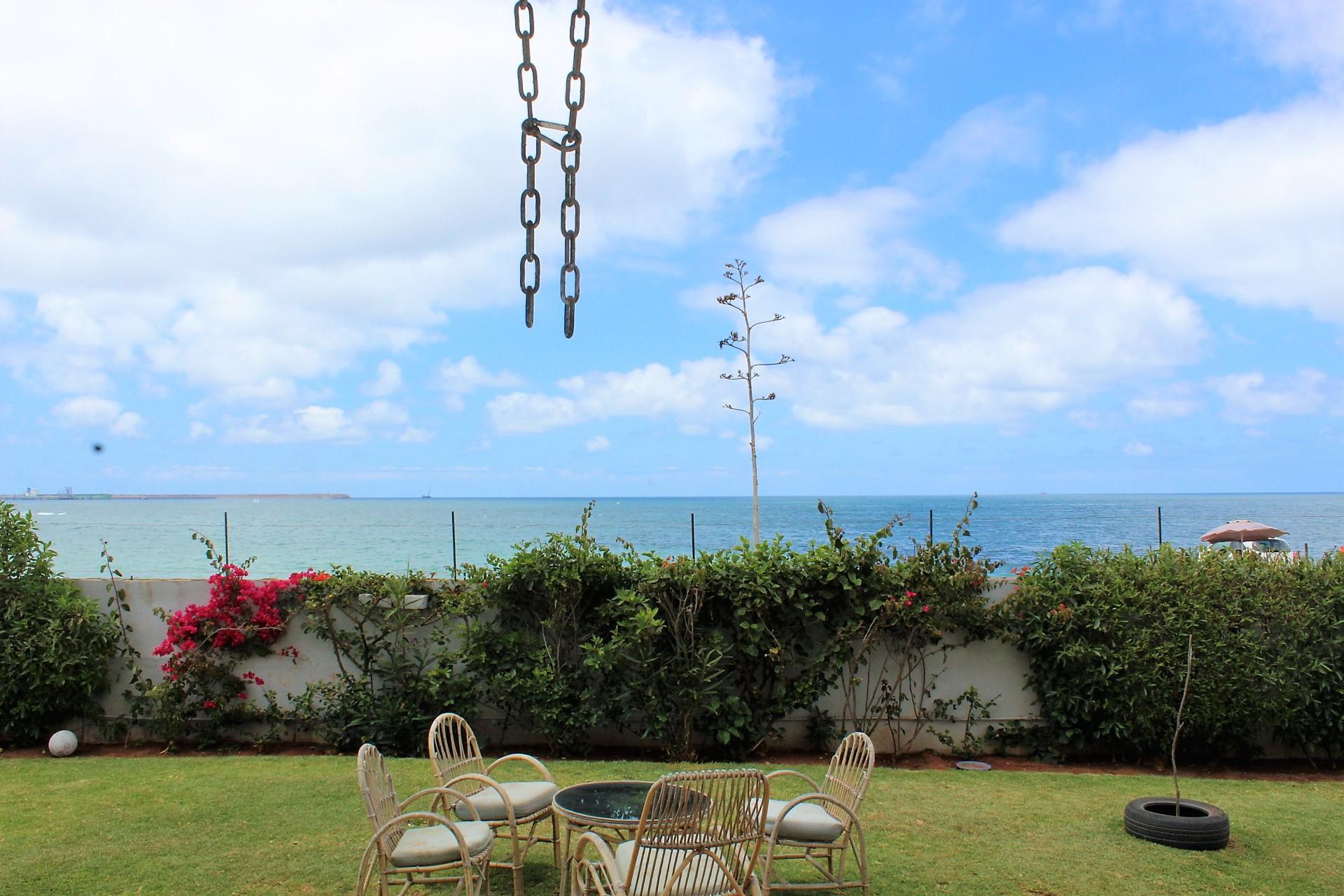 Maroc, Mohamedia .Vous êtes passionné par l'océan ? A louer Splendide villa face à la mer bercé par les vagues.