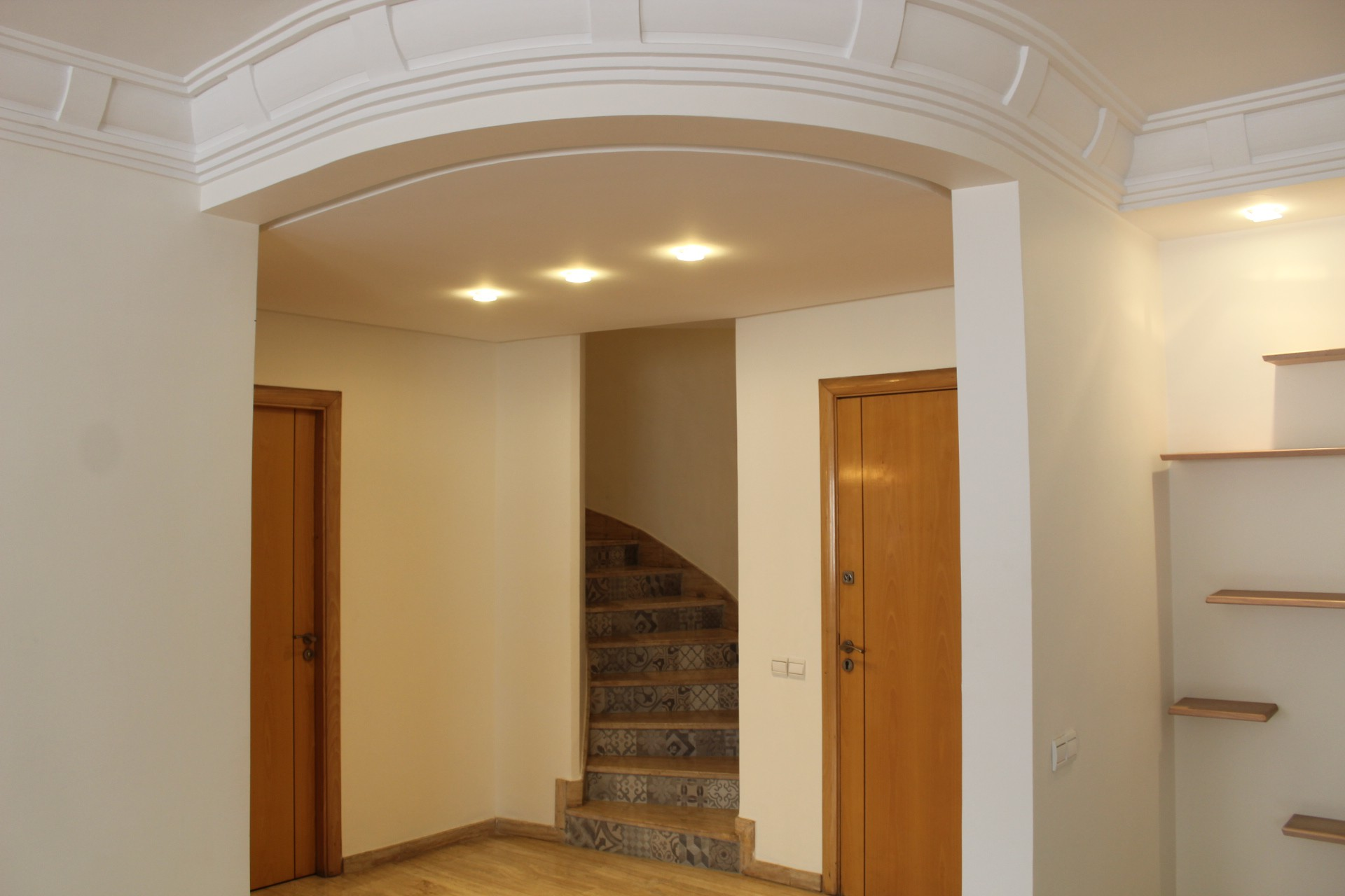 Maroc, Casablanca, Gautier, à acheter confortable appartement en duplex (très bien ensoleillé).