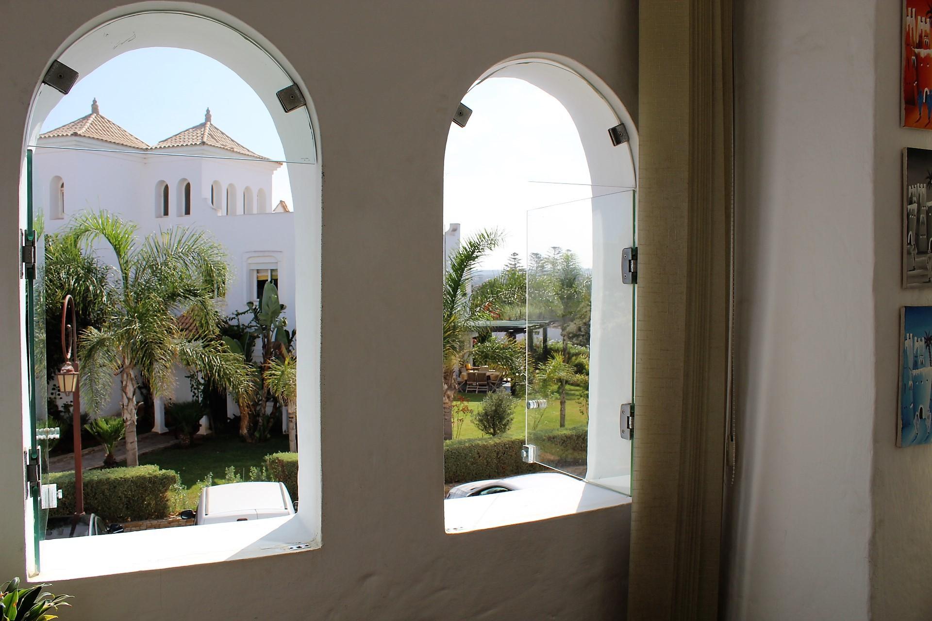 Maroc, grand Casablanca, Dar Bouazza, à louer meublé dans résidence pour privilégiés avec marina.  Vous voulez vivre à l'espagnole?