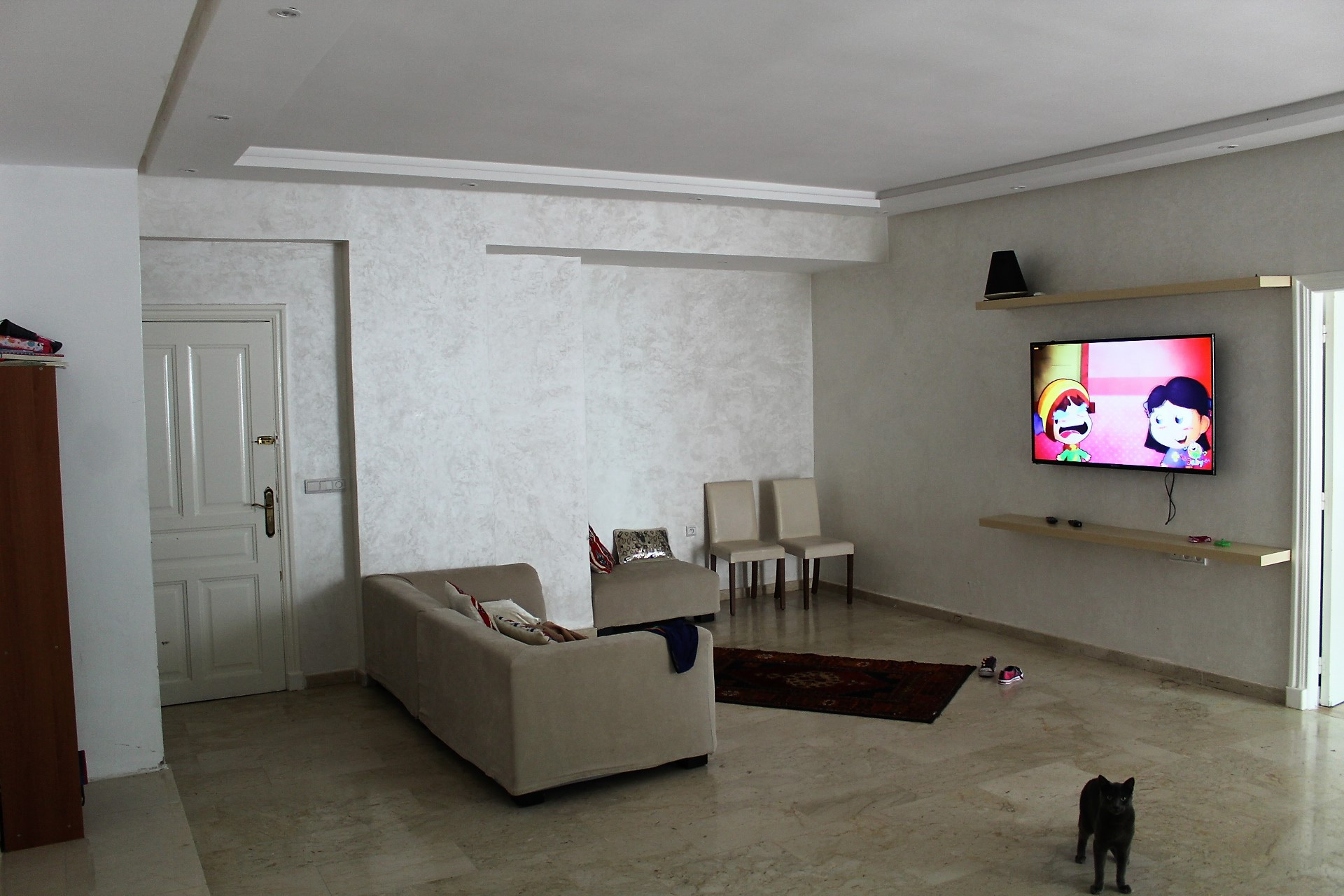 Maroc,Casablanca,Bourgogne a vendre parfait logement entierement rénové avec une terrrasse de 16 M2 .