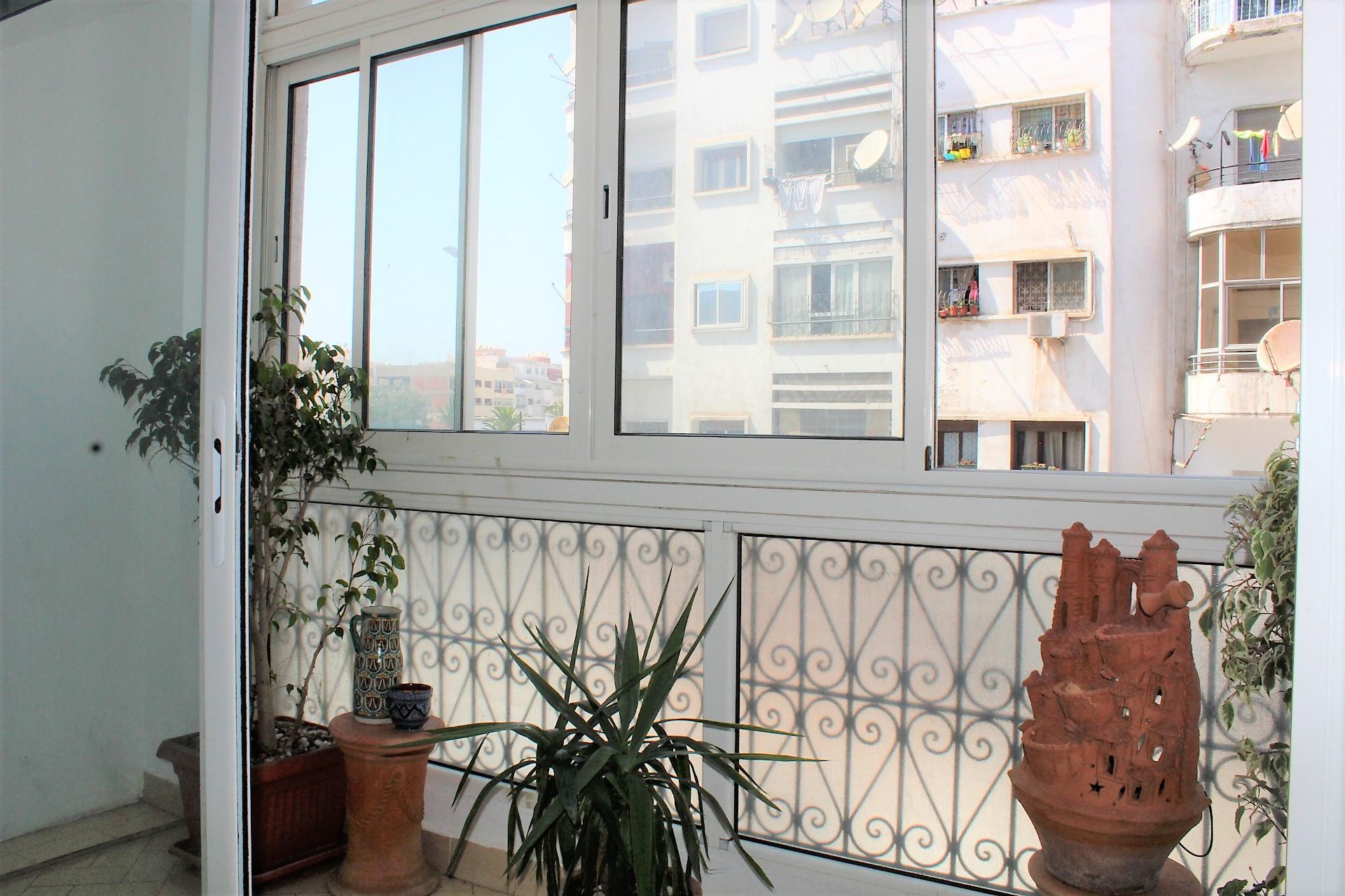 Maroc, Casablanca, (Val Fleurit) à louer charmant appartement ensoleillé de 78 m²