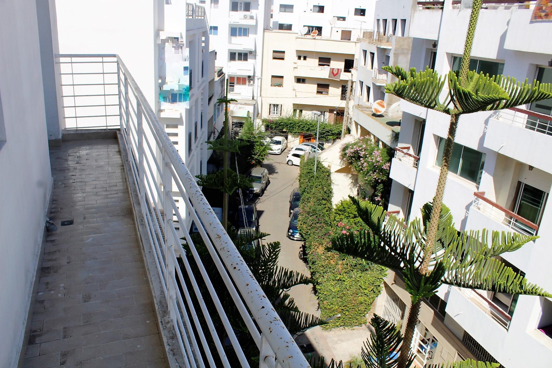 Casablanca, Gauthier, à louer appartement moderne meublé