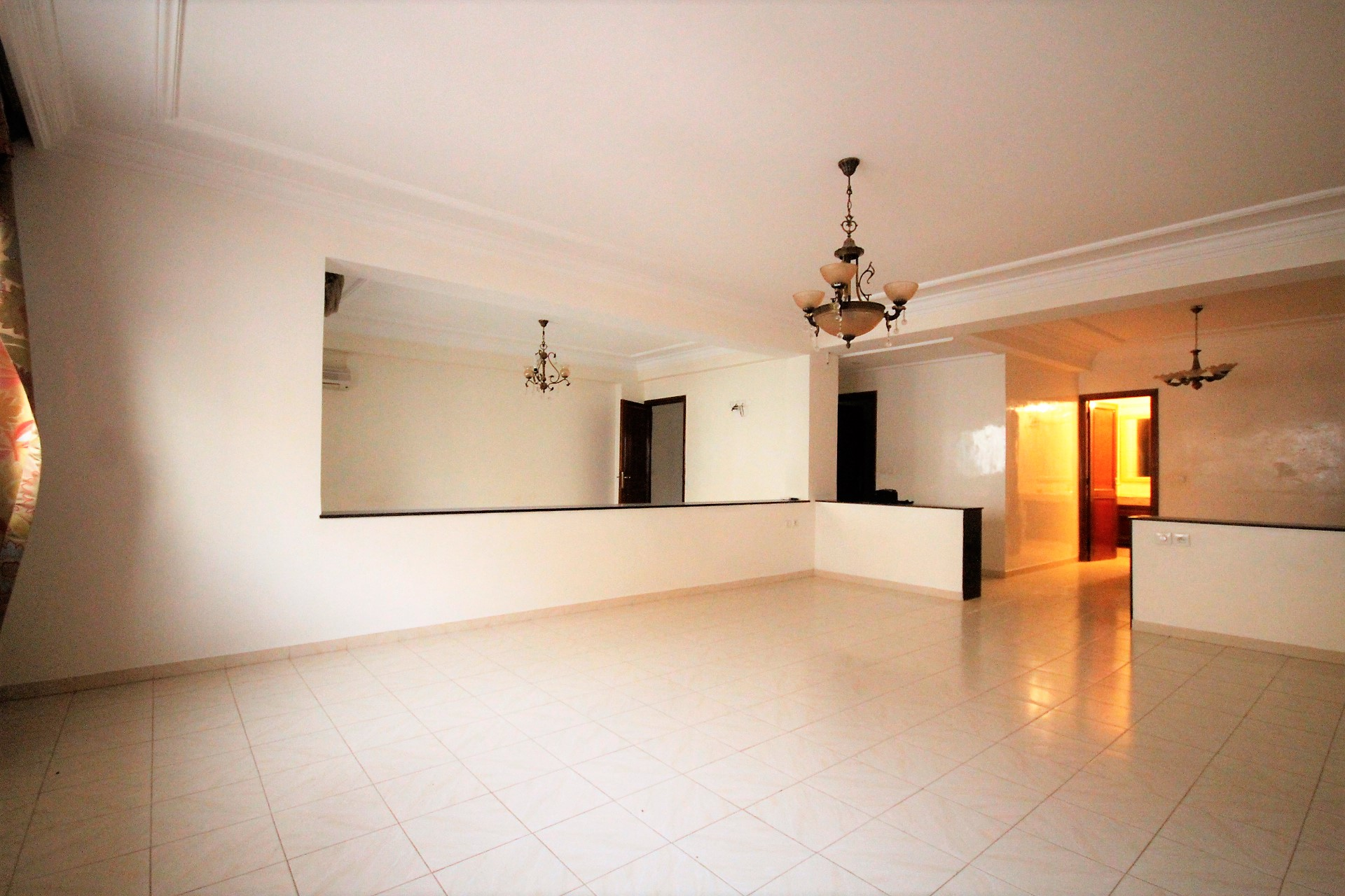 Maroc, Darbouazza à louer appartement neuf  meublé de 100 m² avec jardin dans résidence sécurisée