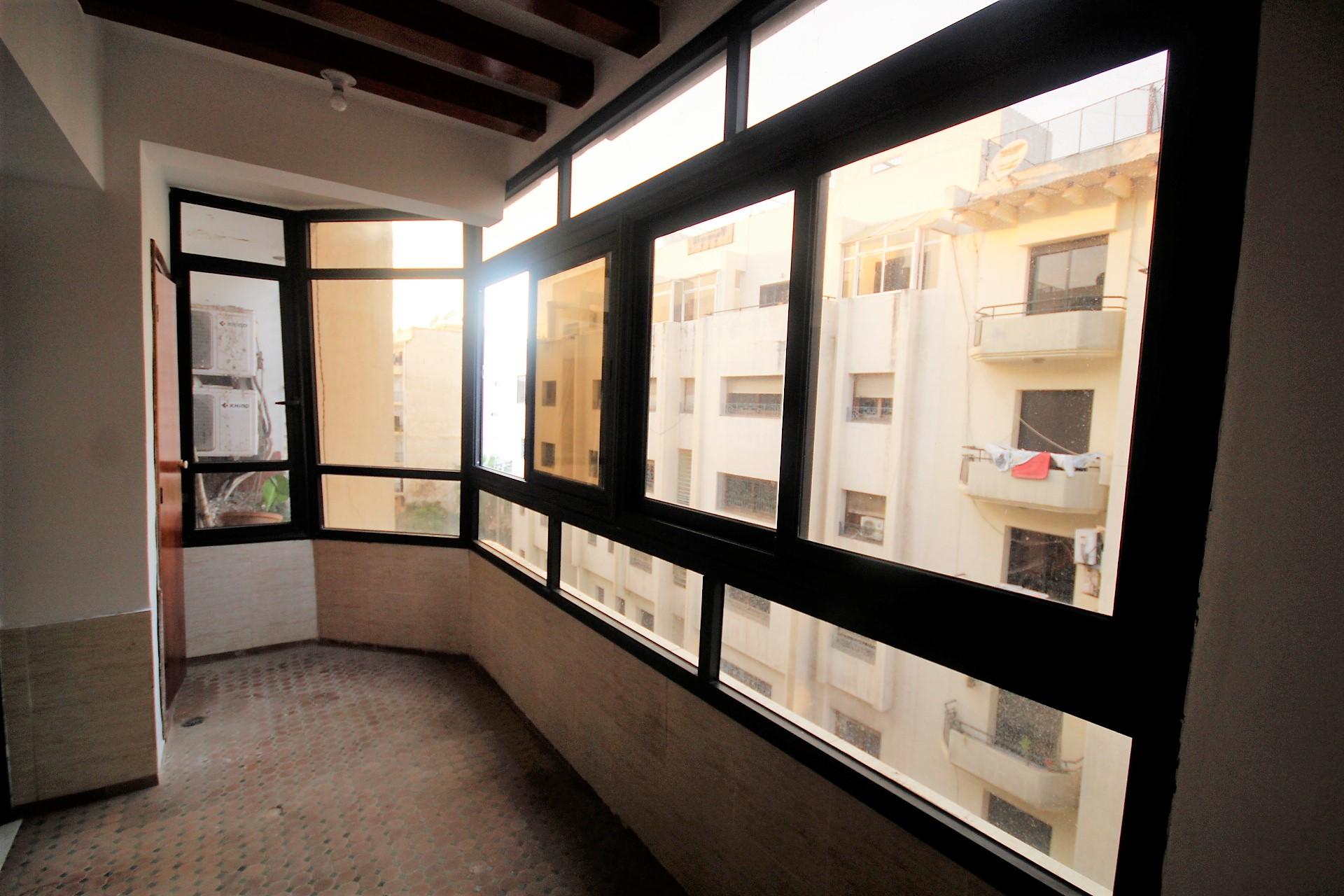 Maroc, Casablanca entre le Bld 2 mars et le quartier des Hôpitaux  secteur calme à louer logement de 156 m² avec grande véranda