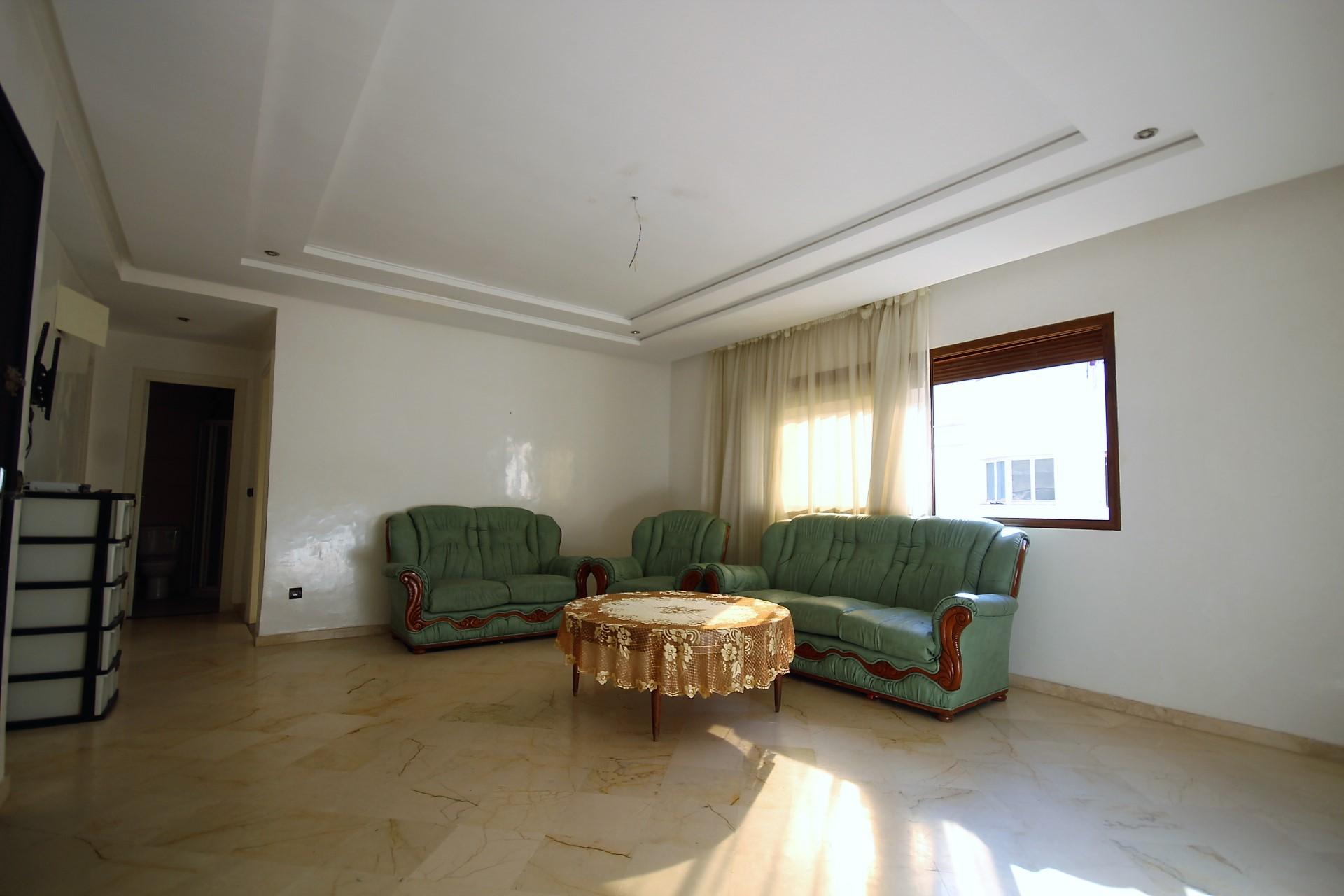 Maroc, Casablanca, Bourgogne              (Secteur de Venezia ice)                    Vend appartement meublé et equipé de 85 m² ensoleillé récent en étage élevé