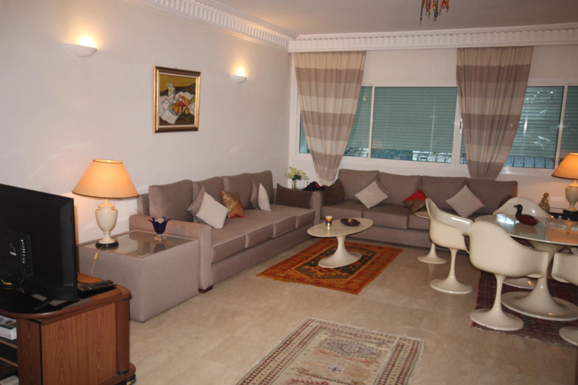 Maroc, Casablanca (proche espace porte anfa- Paul), à louer parfait meublé neuf  2 chambres salon de 135 m² avec terrasse
