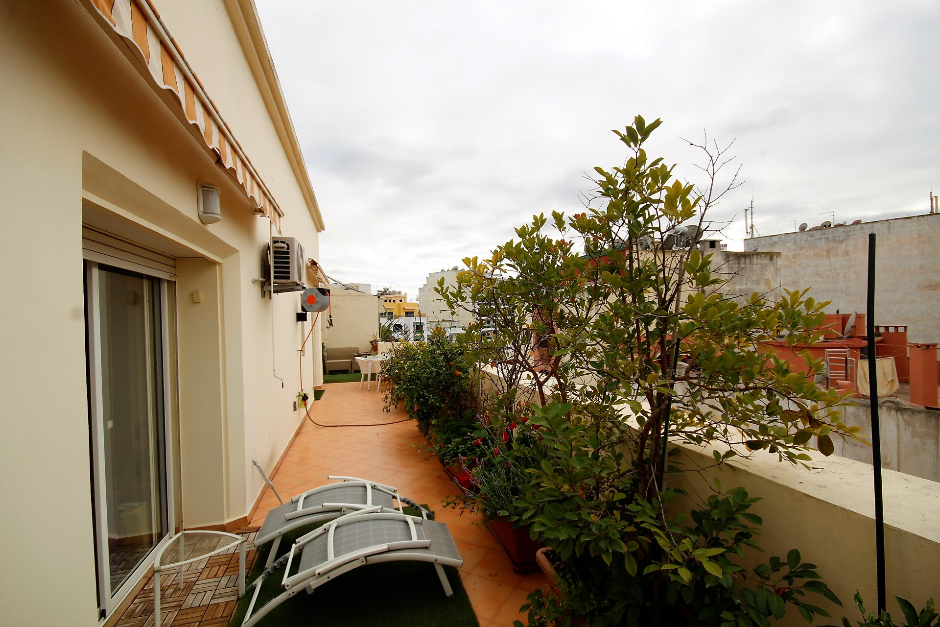 Maroc, Casablanca, Cœur de Gauthier à louer appartement exceptionnel grande terrasse et avec jardin suspendu