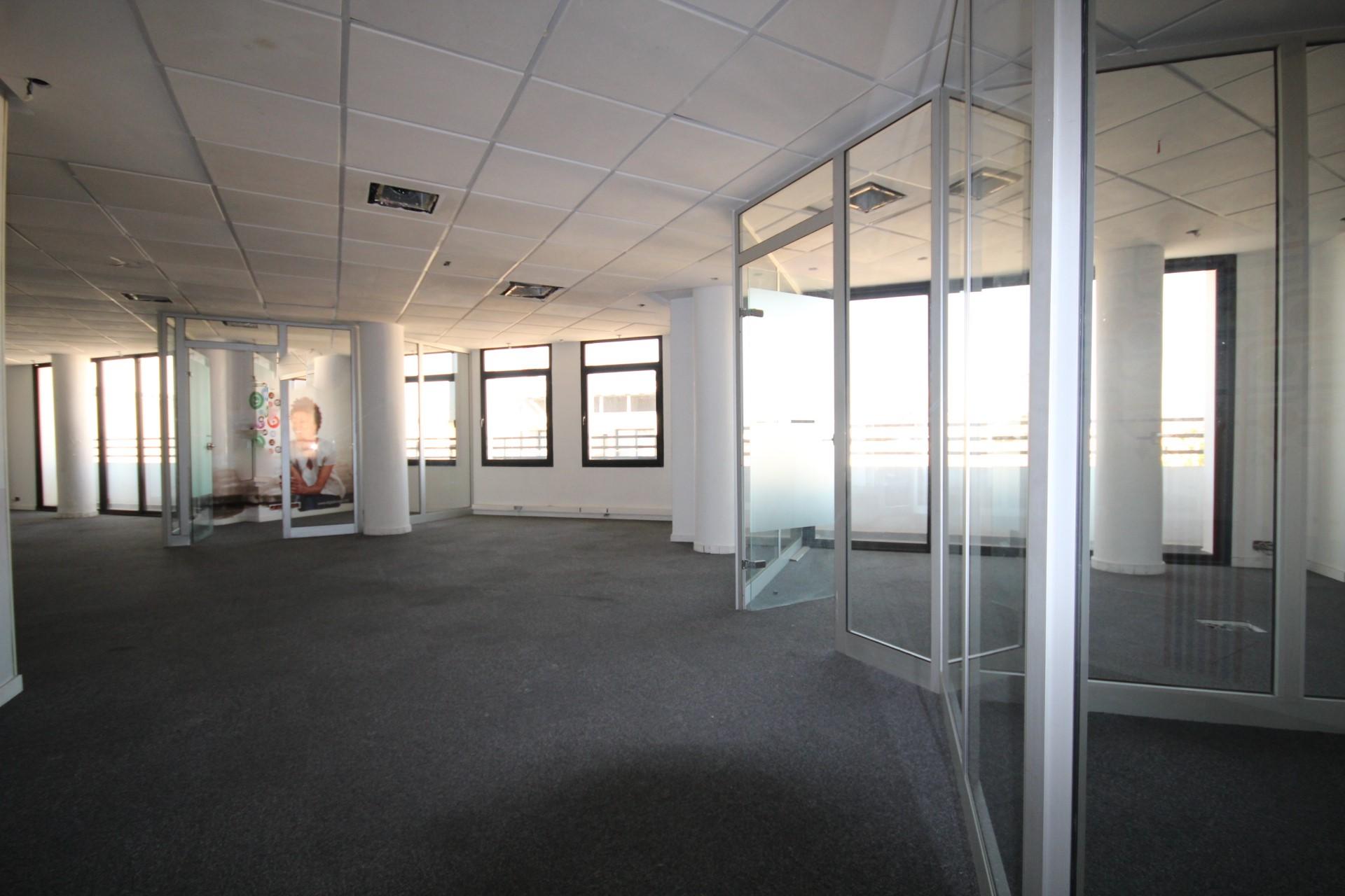 Maroc, Casablanca, Maarif proche twin à louer plateaux de bureaux modernes d'une superficie de 540m² divisible