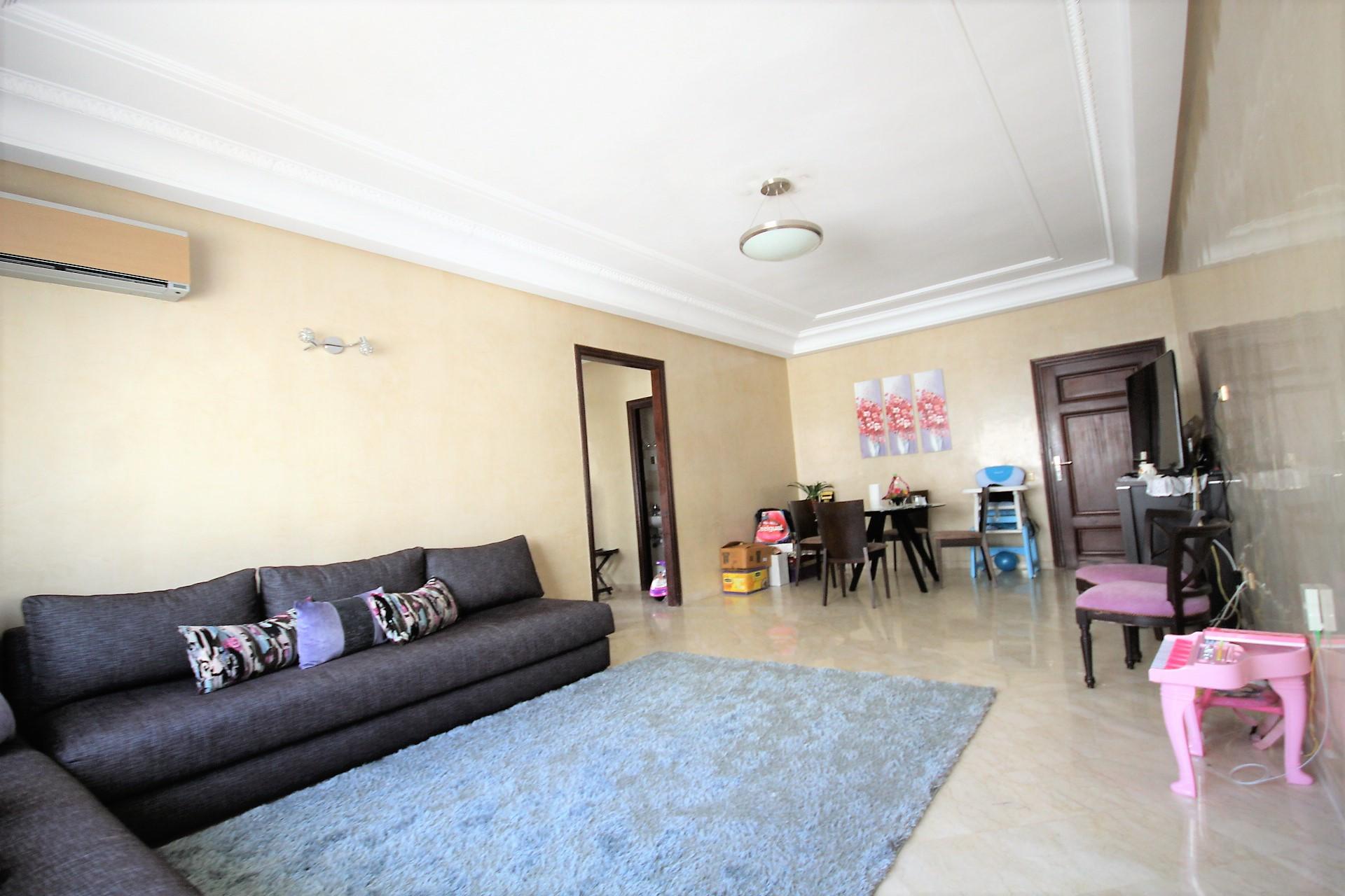 Maroc, Casablanca Sud, (Jnane Californie) à acheter appartement type F3 avec terrasse en étage élevé très belle exposition