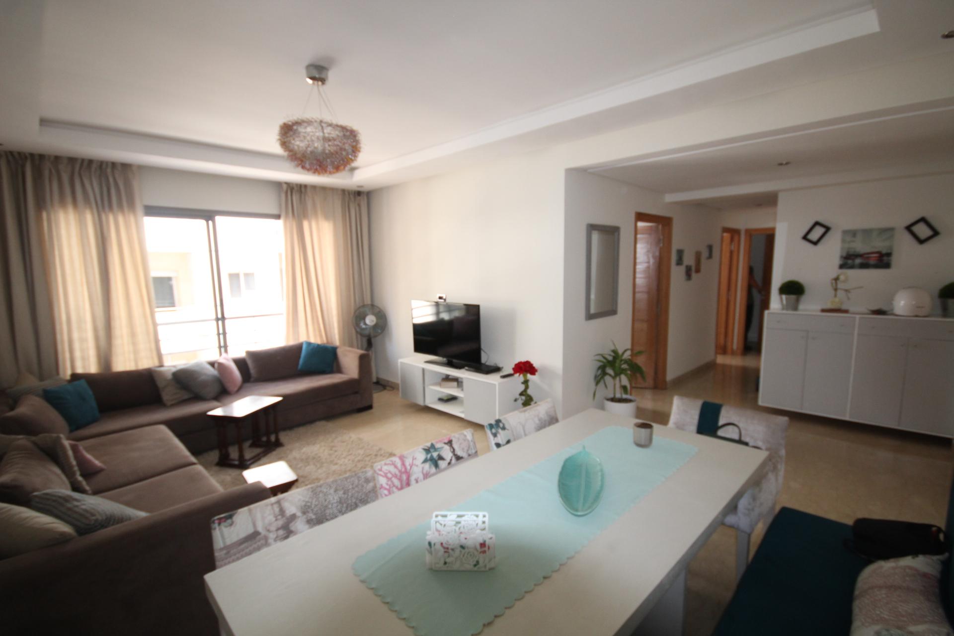 Maroc, Casablanca, Maarif Extension,                                   à louer appartement moderne meublé de 92m²        ( 2 CHAMBRES)