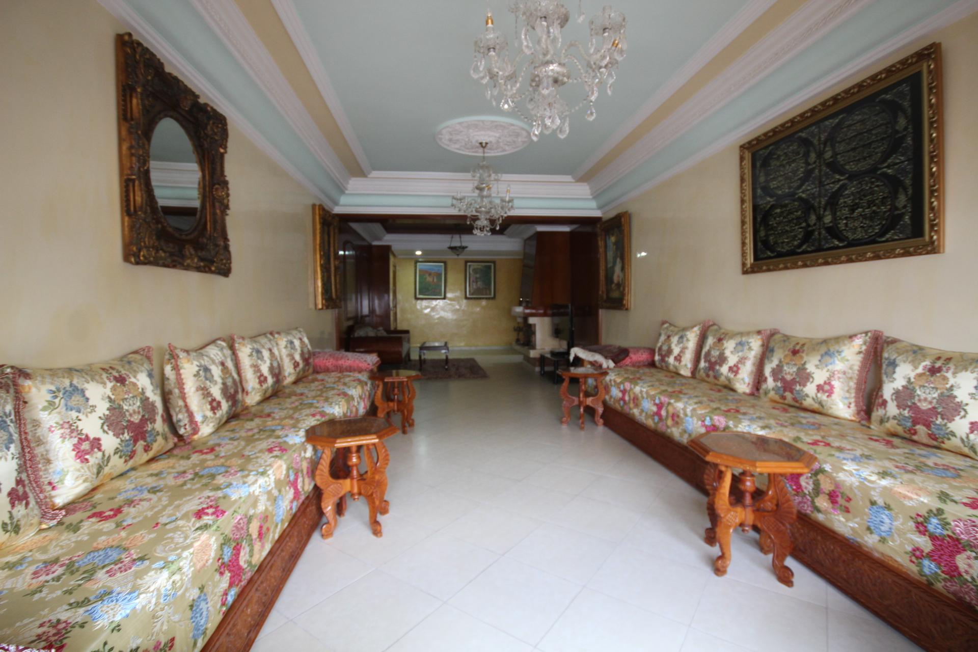 Maroc, Casablanca, Maarif Extension (Bir Anzarane) à acheter parfait et lumineux logement familial de 163 m²