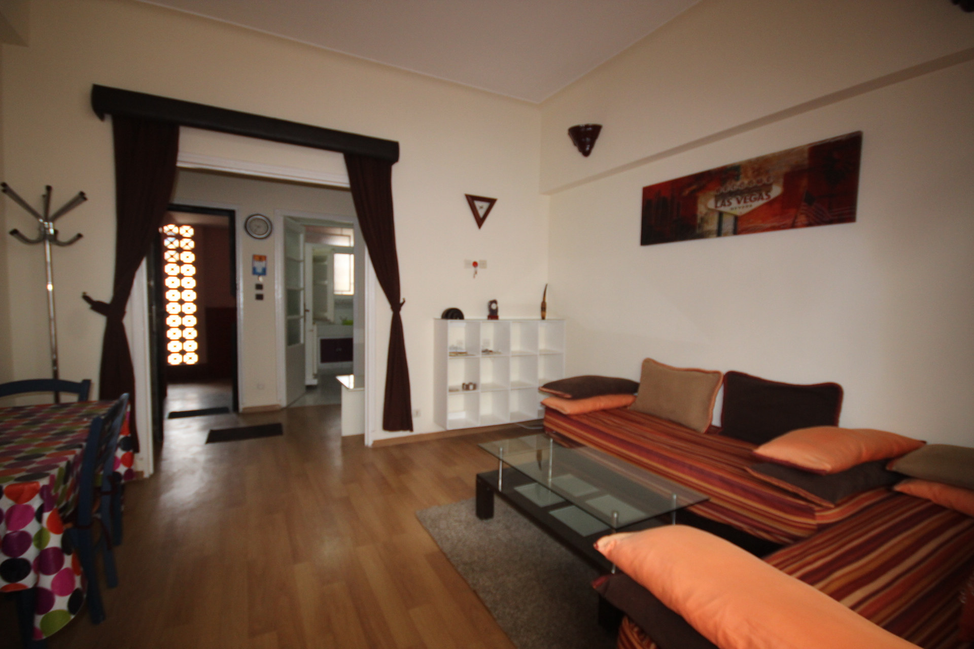 Maroc, Casablanca, rare, loue appartement lumineux Art Déco avec petite terrasse en parfait état