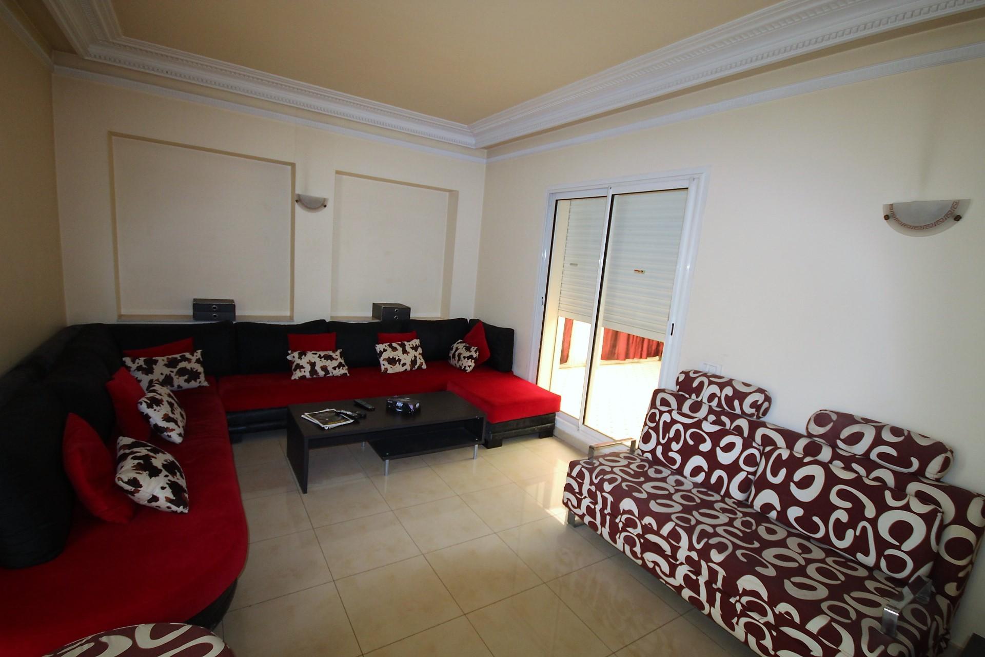 Gauthier, à louer agréable appartement meublé et équipé avec très grande terrasse dans immeuble bourgeois