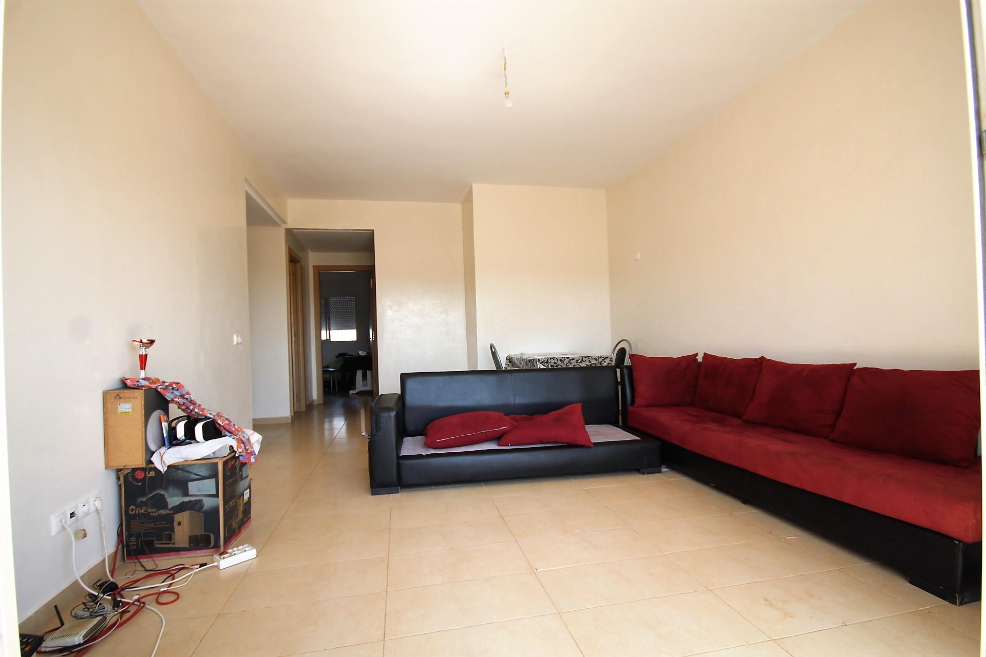 Bouskoura, proche de la zone industrielle de Ouled Salah à louer appartement neuf de 85 m² avec terrasse sans aucun vis-à-vis