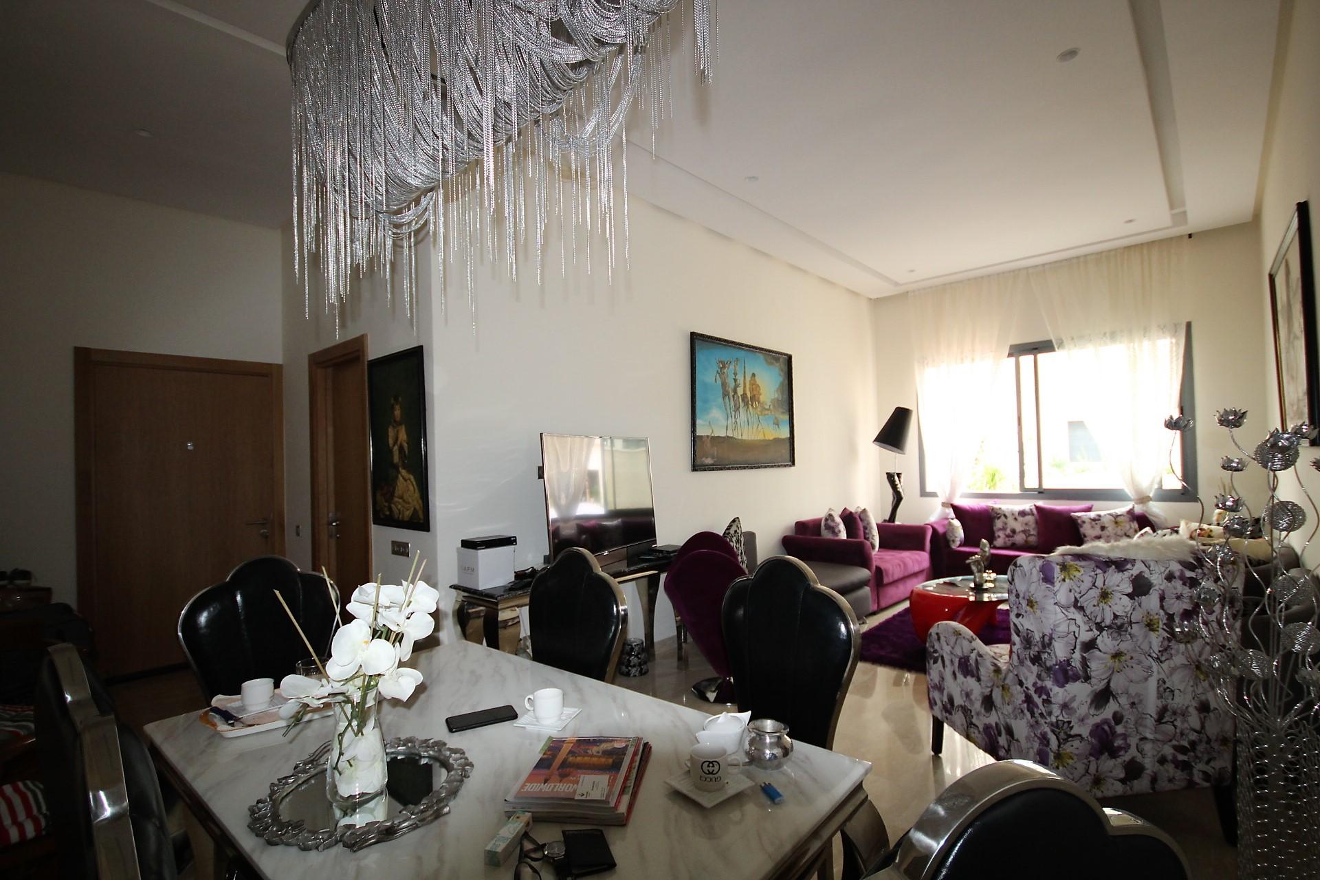 Dans le beau bourgogne, à louer dans résidence recherchée neuve un appartement meublé avec des finitions de qualités de 95 m²