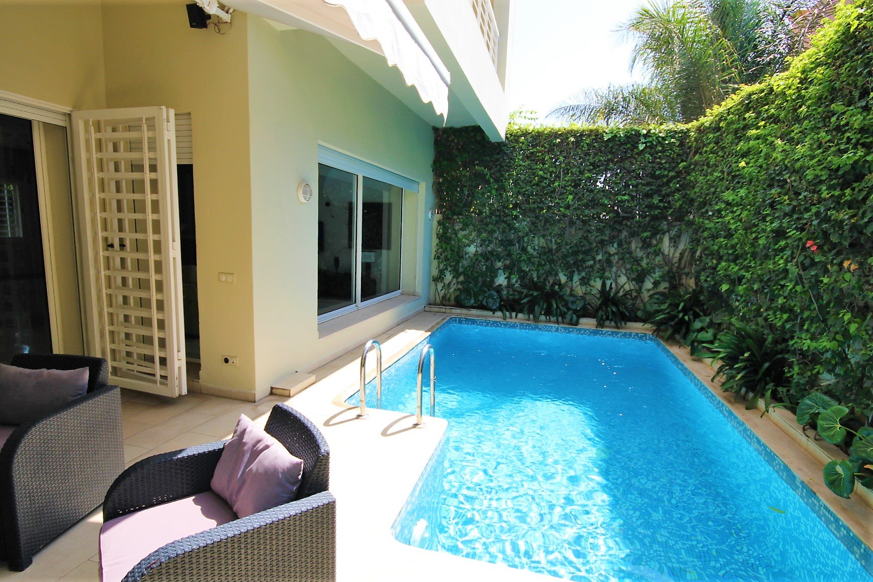 Casablanca Sud (entre Californie et Casa Nearshore),Villa moderne de 5 chambres à louer vide ou meublée sur surface habitable 400m²