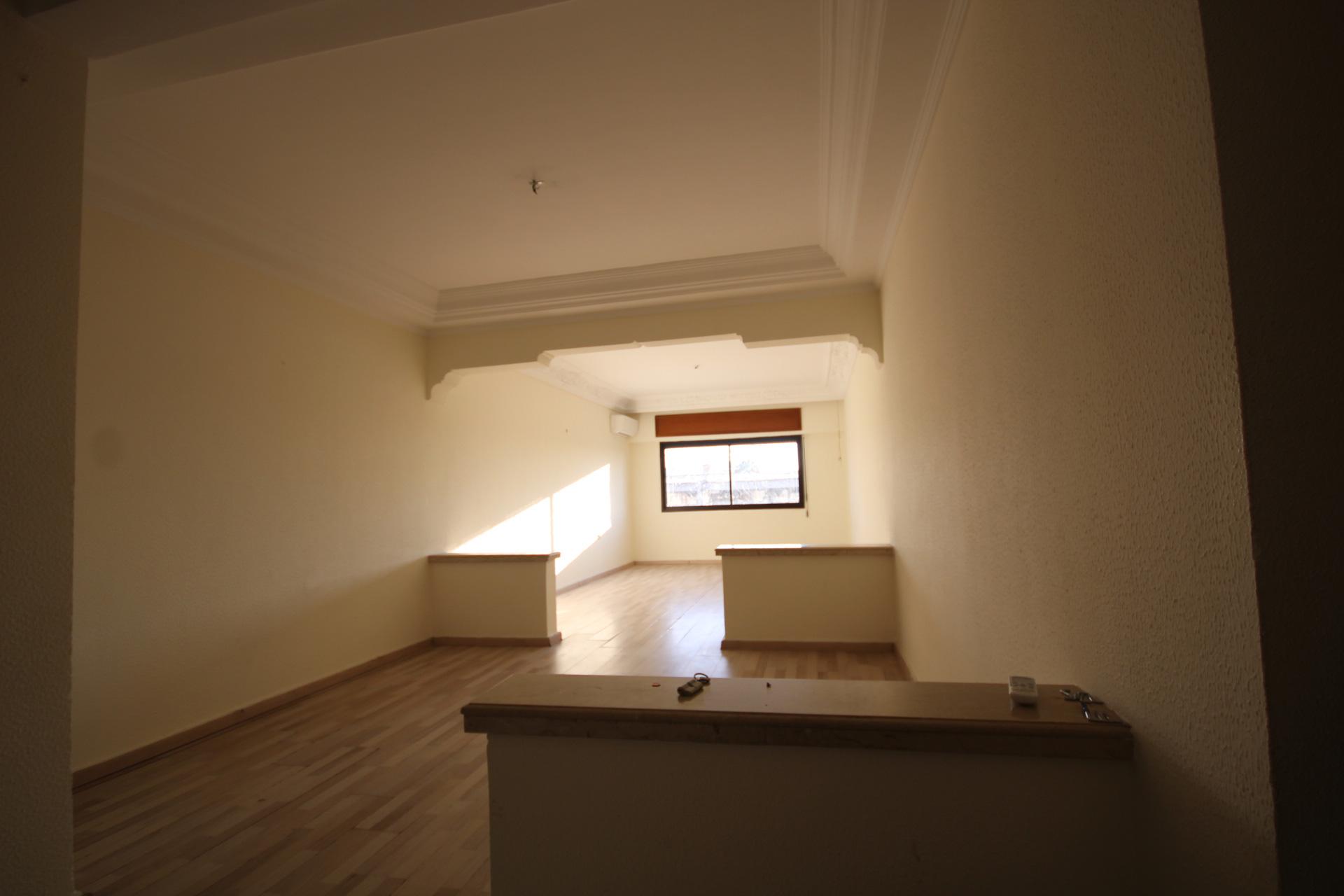 Appartement de 106 m² a très bon prix idéal pour une première installation ou investissement.