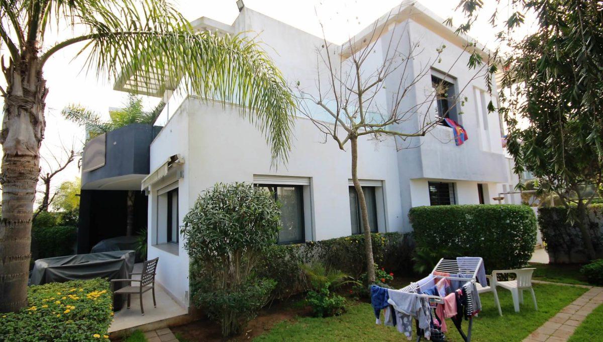 bouskoura-vends-villa-moderne-haut-standing-dans-une-belle-residence-fermee-et-securisee-017