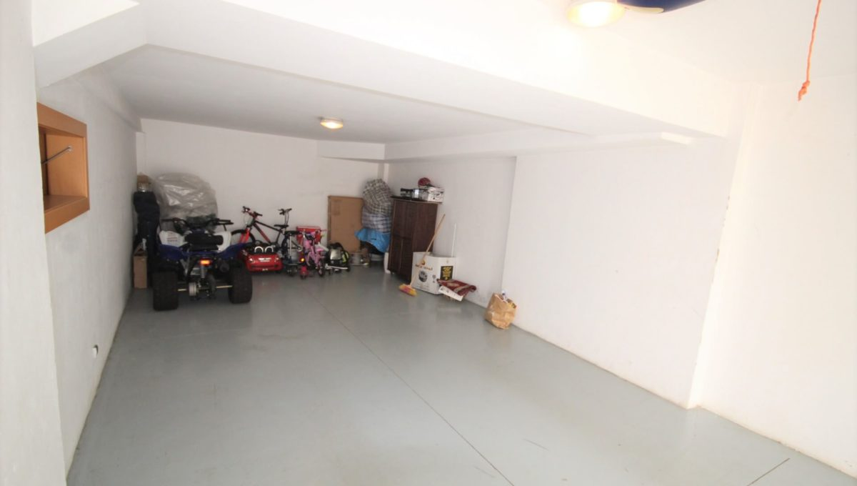 bouskoura-vends-villa-moderne-haut-standing-dans-une-belle-residence-fermee-et-securisee-018