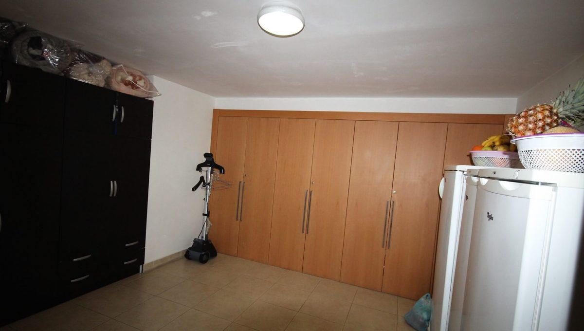 bouskoura-vends-villa-moderne-haut-standing-dans-une-belle-residence-fermee-et-securisee-020