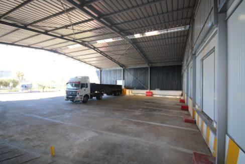unite-industrielle-moderne-de-stockage-froid-et-de-distribution-a-vendre-location-possible-002