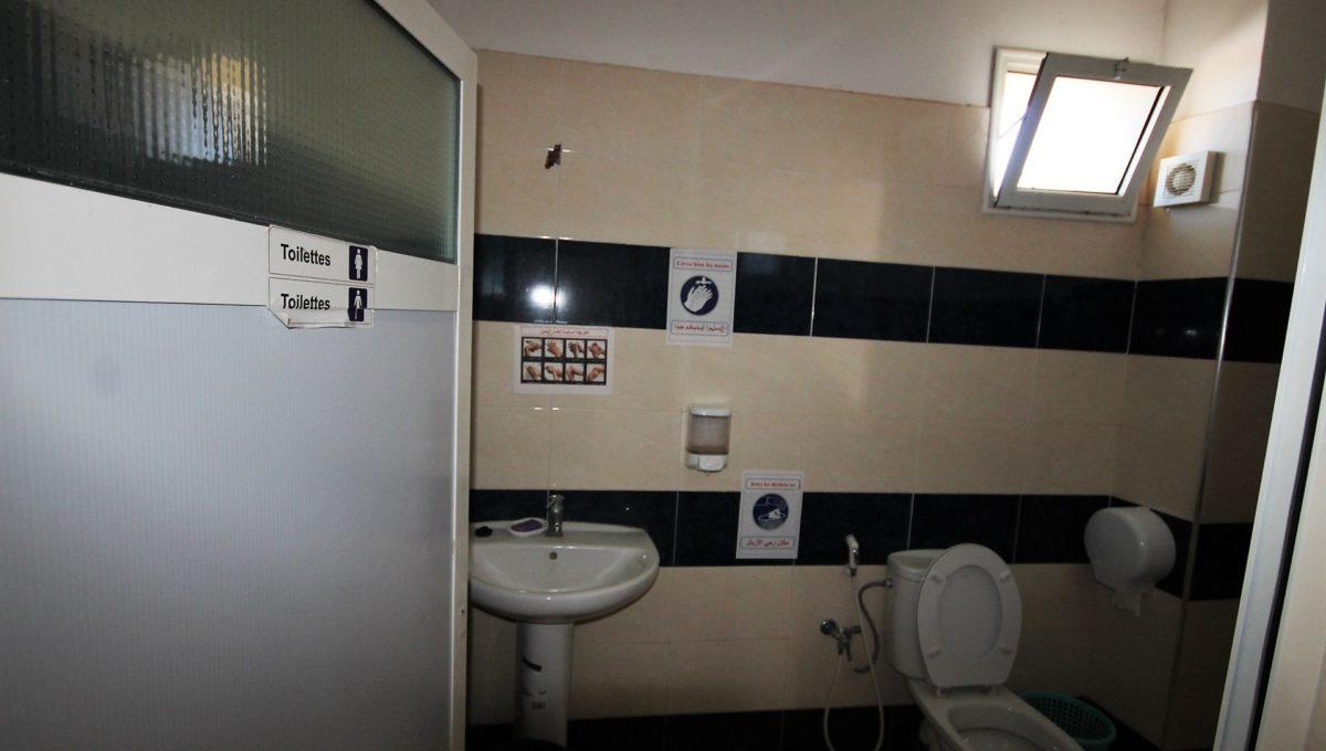 unite-industrielle-moderne-de-stockage-froid-et-de-distribution-a-vendre-location-possible-037