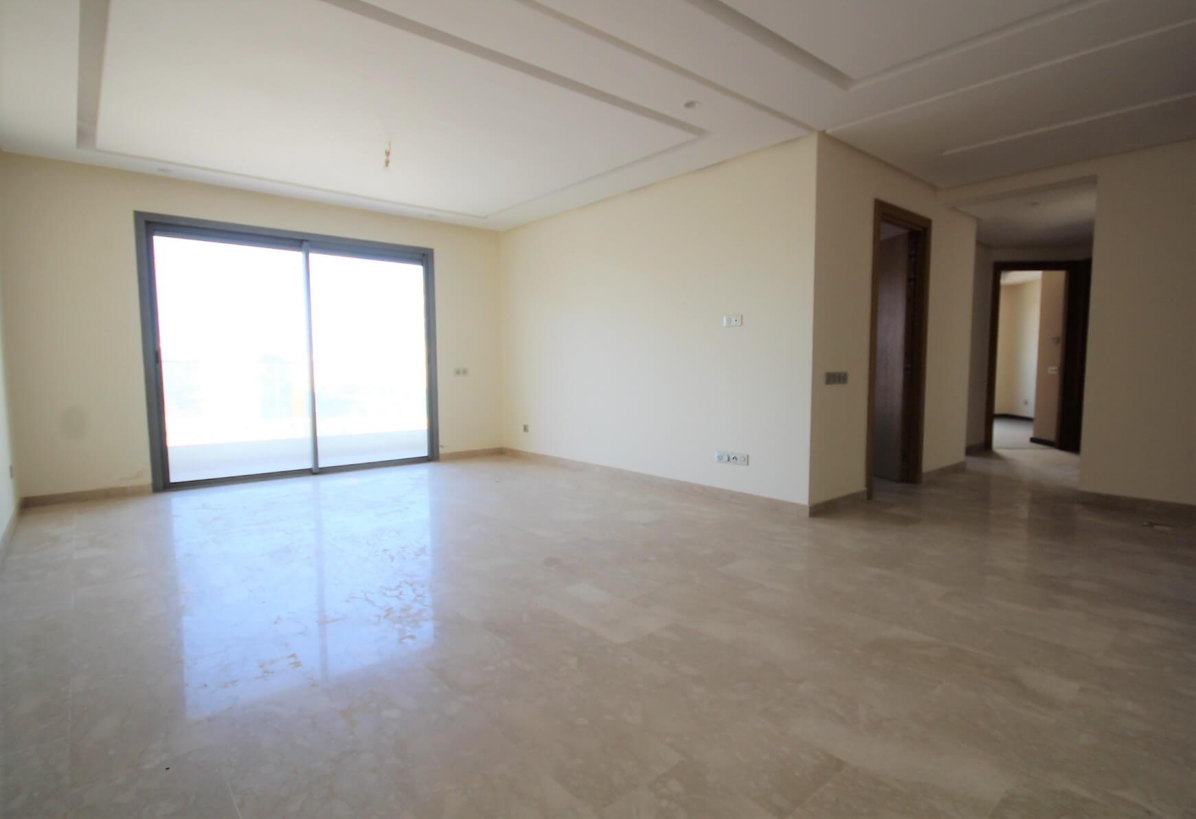 Casablanca, Bourgogne, vend appartement neuf de 3 chambres avec terrasse.