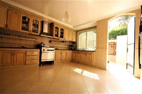 casablanca-californie-splendide-villa-a-acheter-de-700-m2-habitable-sur-un-terrain-de-1100-m2-de-terrain-020