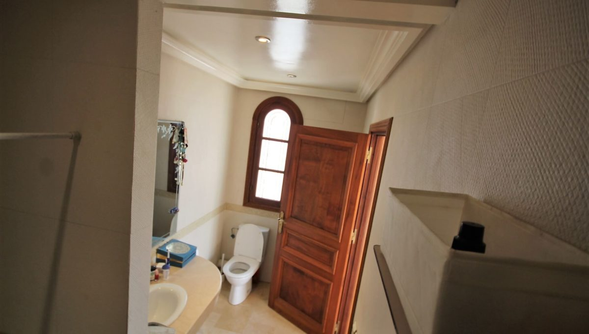 casablanca-californie-splendide-villa-a-acheter-de-700-m2-habitable-sur-un-terrain-de-1100-m2-de-terrain-041